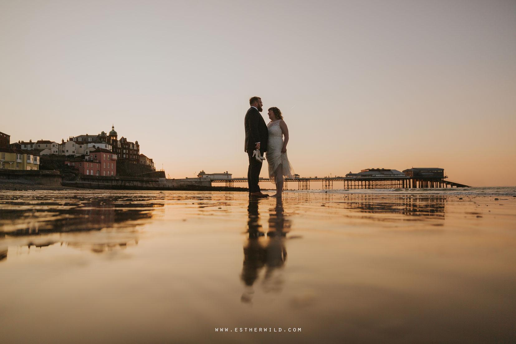 Cromer_Wedding_Beach_Outdoor_Ceremony_Norfolk_North_Lodge_Registry_Office_Rocket_House_Cafe_Cromer_Pier_IMG_5006_IMGL8508.jpg
