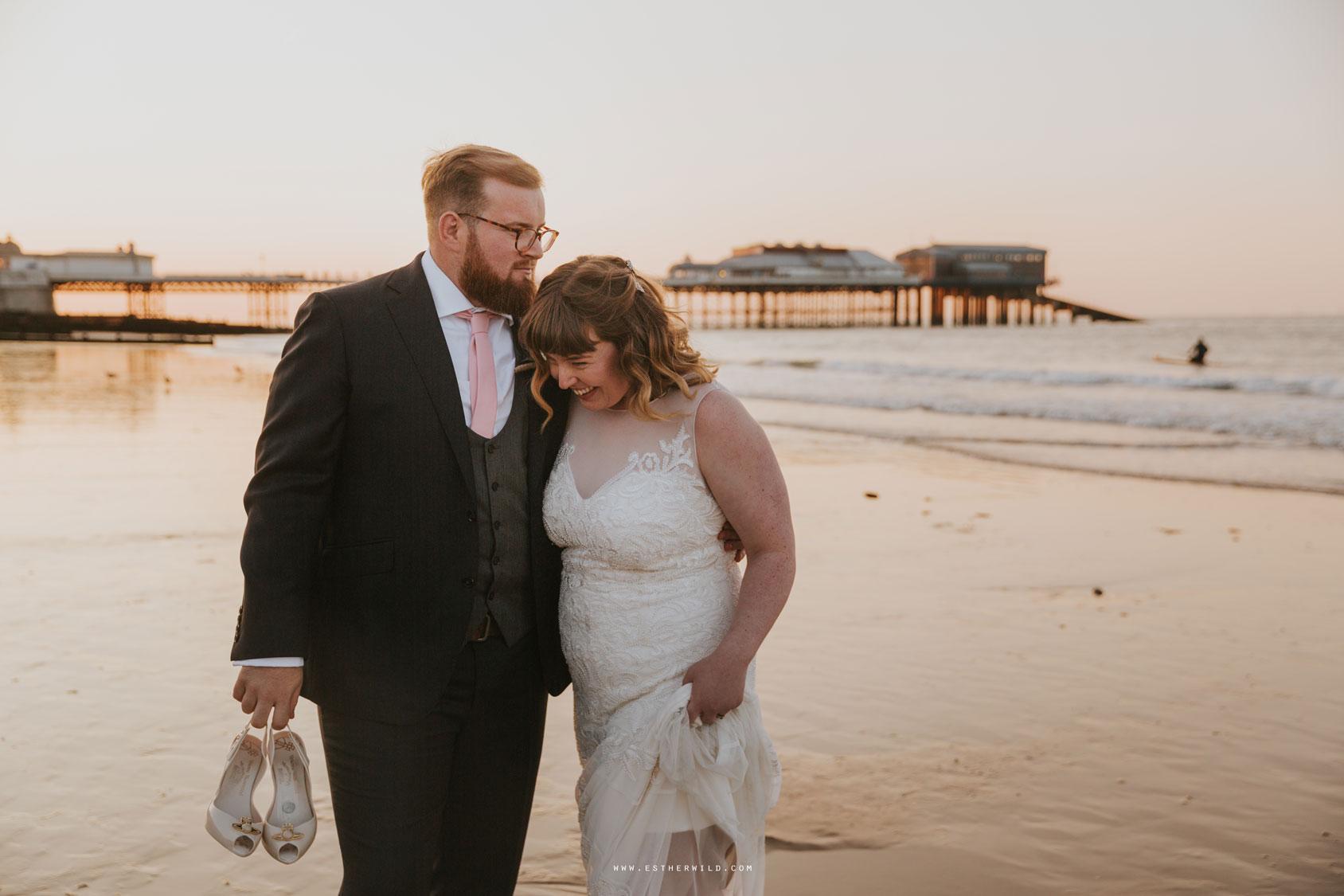 Cromer_Wedding_Beach_Outdoor_Ceremony_Norfolk_North_Lodge_Registry_Office_Rocket_House_Cafe_Cromer_Pier_IMG_5046_IMGL8524.jpg