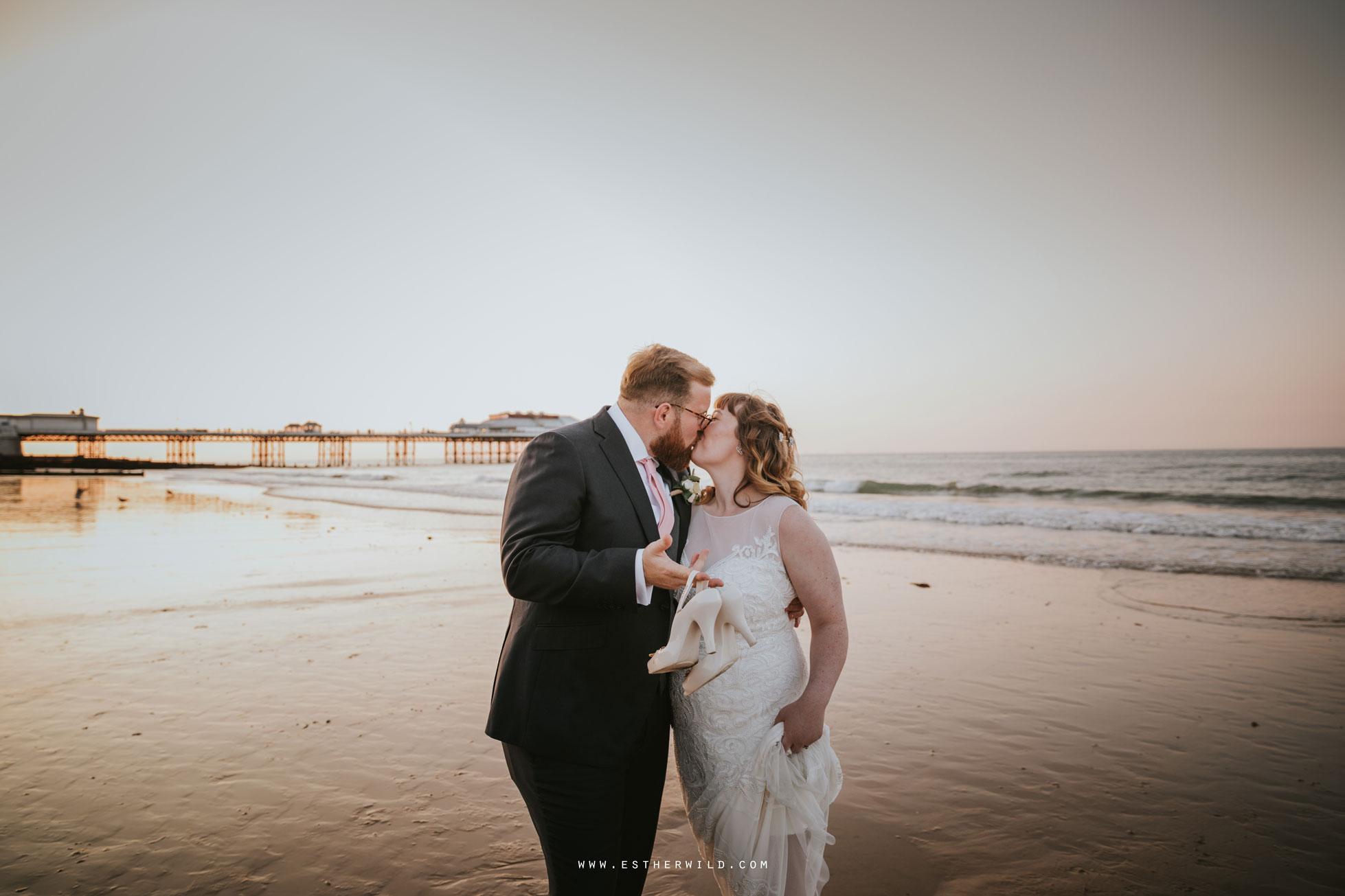Cromer_Wedding_Beach_Outdoor_Ceremony_Norfolk_North_Lodge_Registry_Office_Rocket_House_Cafe_Cromer_Pier_IMG_5058.jpg