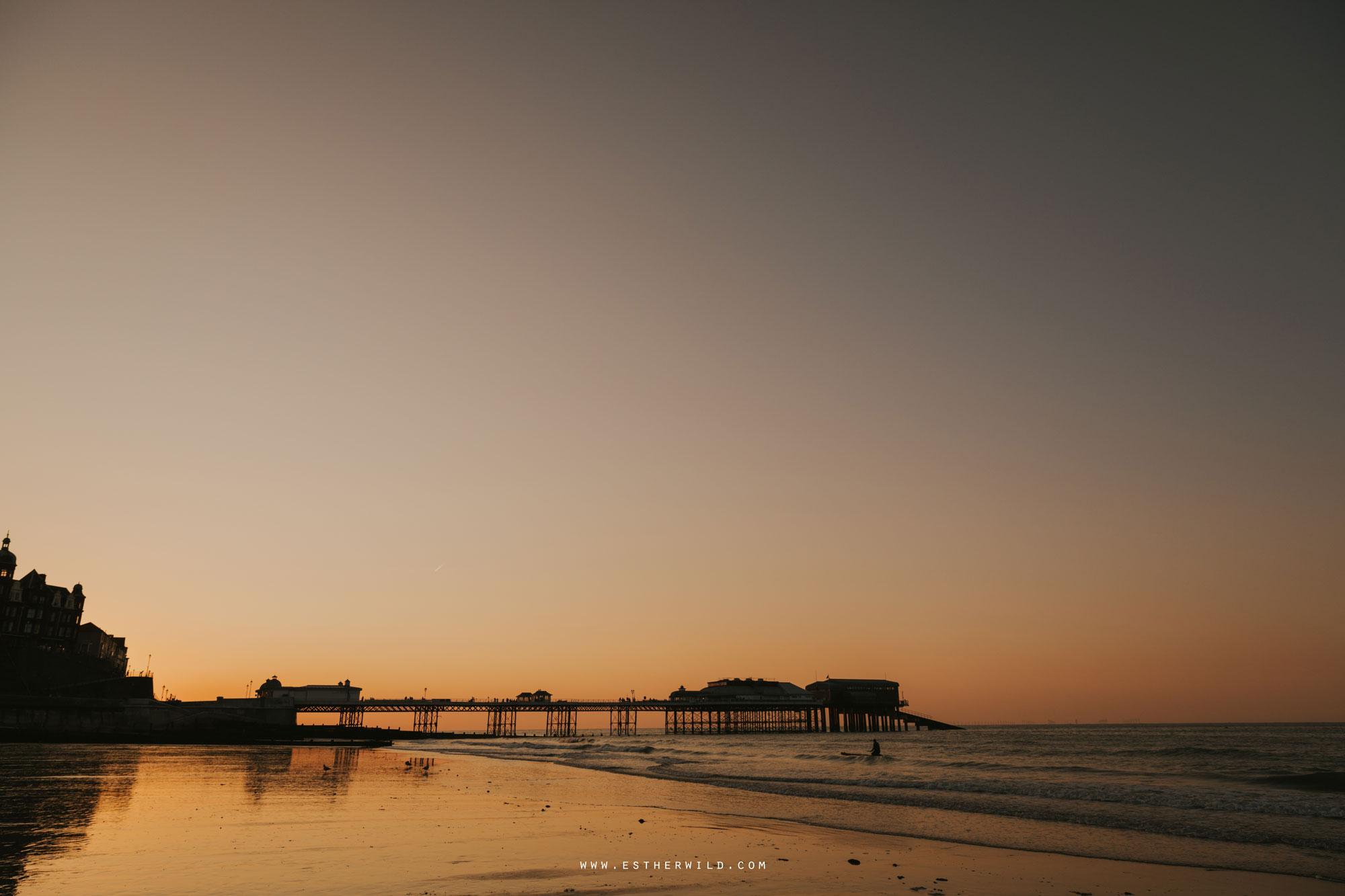 Cromer_Wedding_Beach_Outdoor_Ceremony_Norfolk_North_Lodge_Registry_Office_Rocket_House_Cafe_Cromer_Pier_IMG_5068.jpg