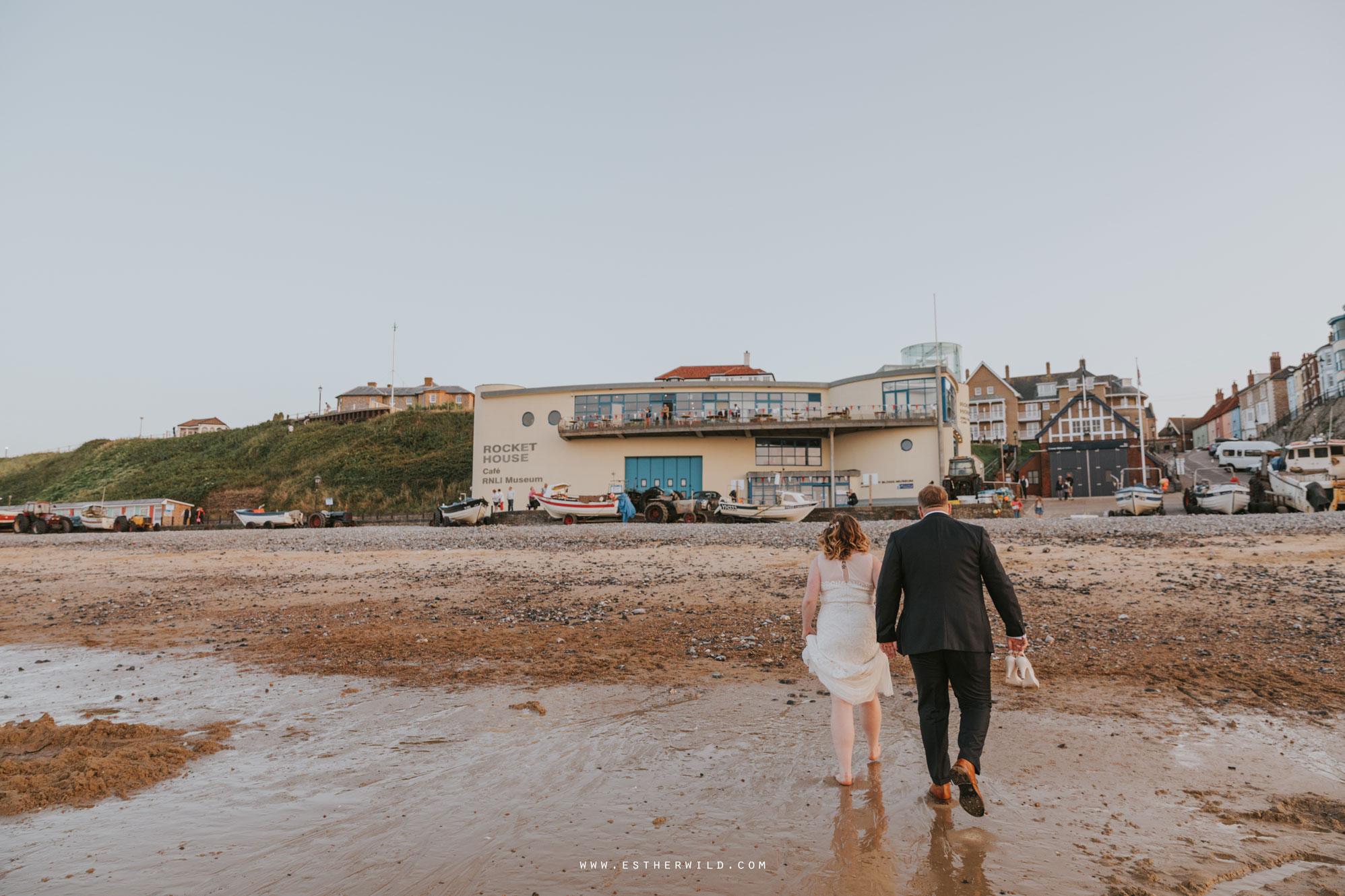Cromer_Wedding_Beach_Outdoor_Ceremony_Norfolk_North_Lodge_Registry_Office_Rocket_House_Cafe_Cromer_Pier_IMG_5071.jpg
