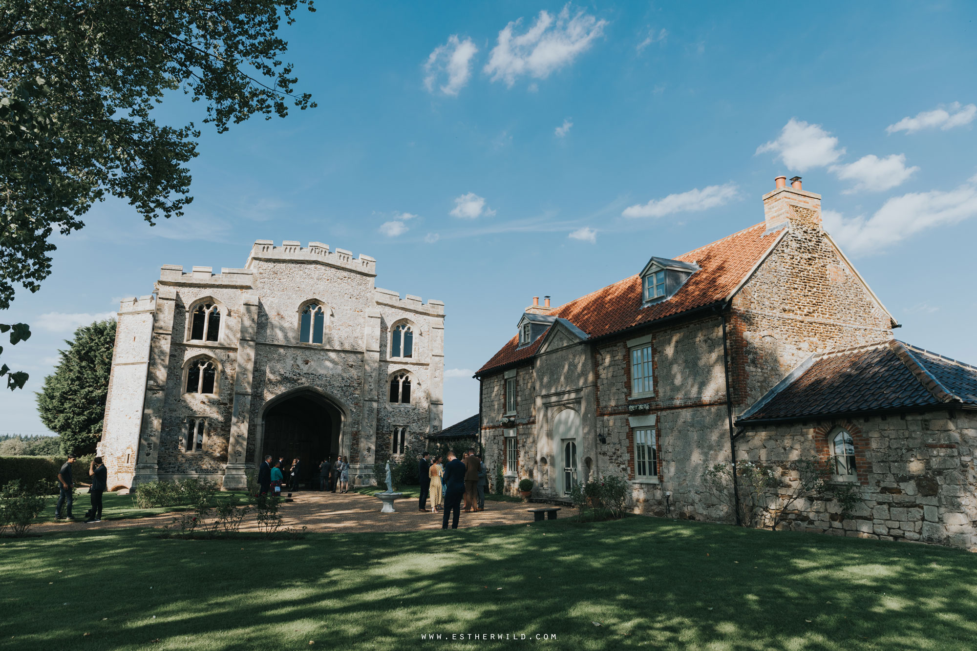 Pentney_Abbey_Wedding_Kings_Lynn_Norfolk_Esther_Wild_Wedding_Photography_IMG_0392.jpg