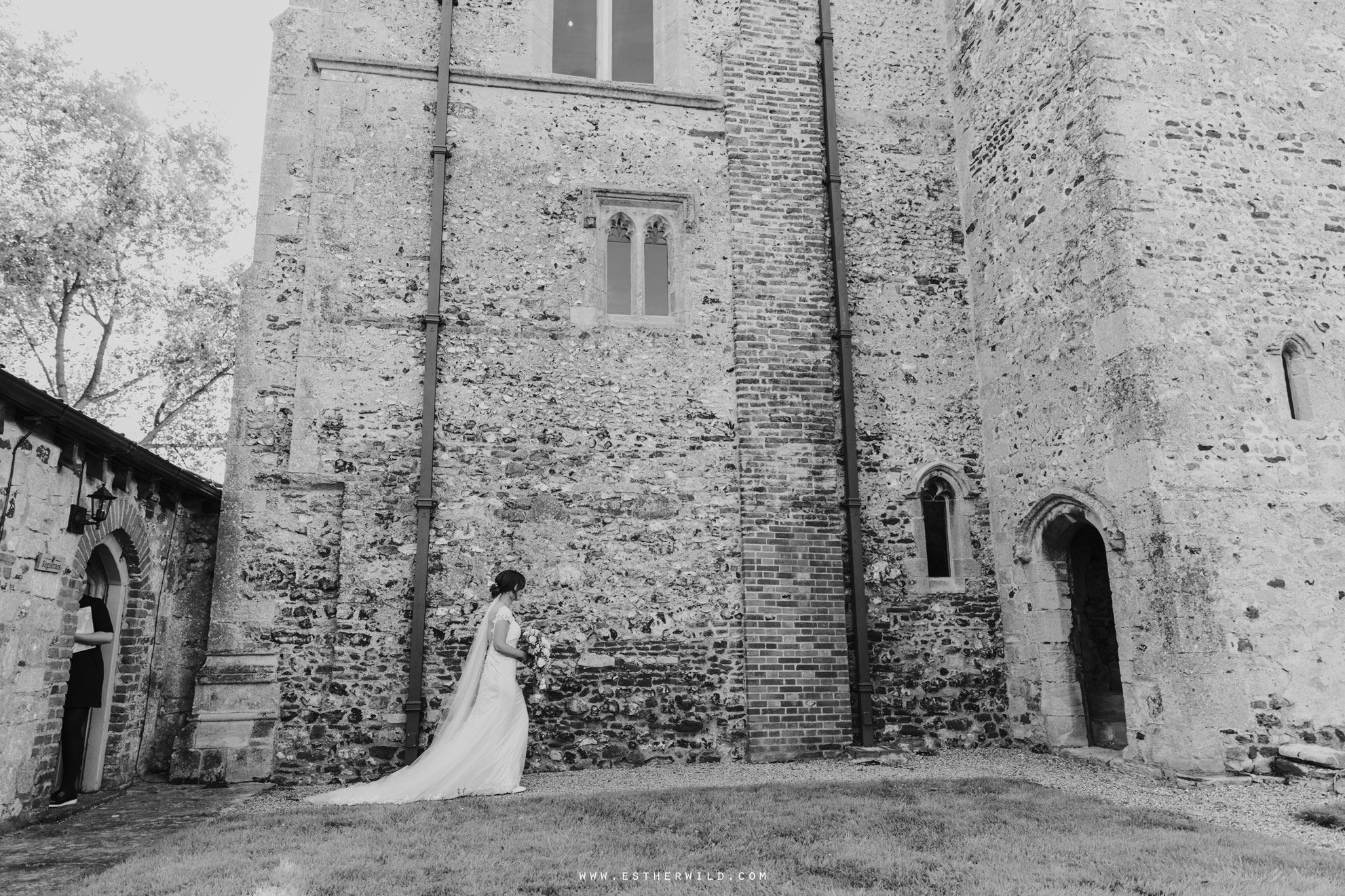 Pentney_Abbey_Wedding_Kings_Lynn_Norfolk_Esther_Wild_Wedding_Photography_IMG_0479.jpg