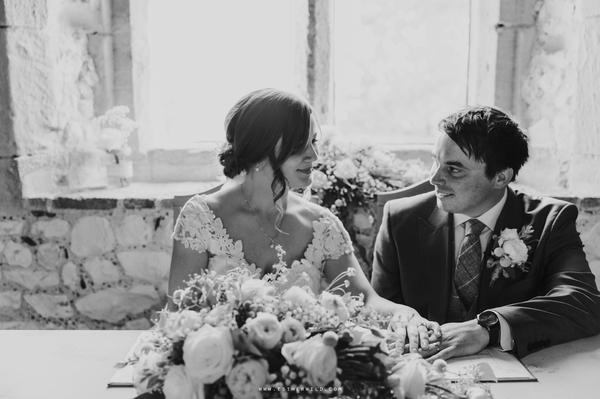 Pentney_Abbey_Wedding_Kings_Lynn_Norfolk_Esther_Wild_Wedding_Photography_IMG_0650.jpg