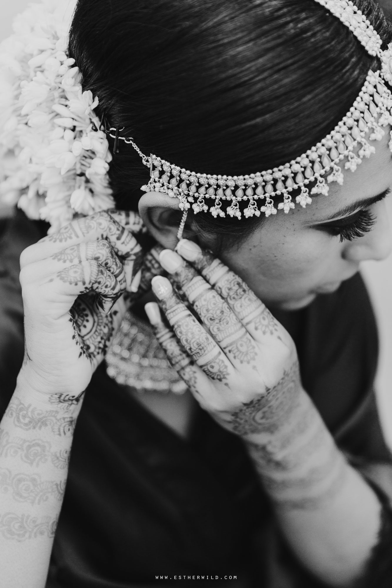 Northbrook_Park_Farnham_Surrey_London_Wedding_Hindu_Fusion_Esther_Wild_Photographer_IMG_2987-2.jpg