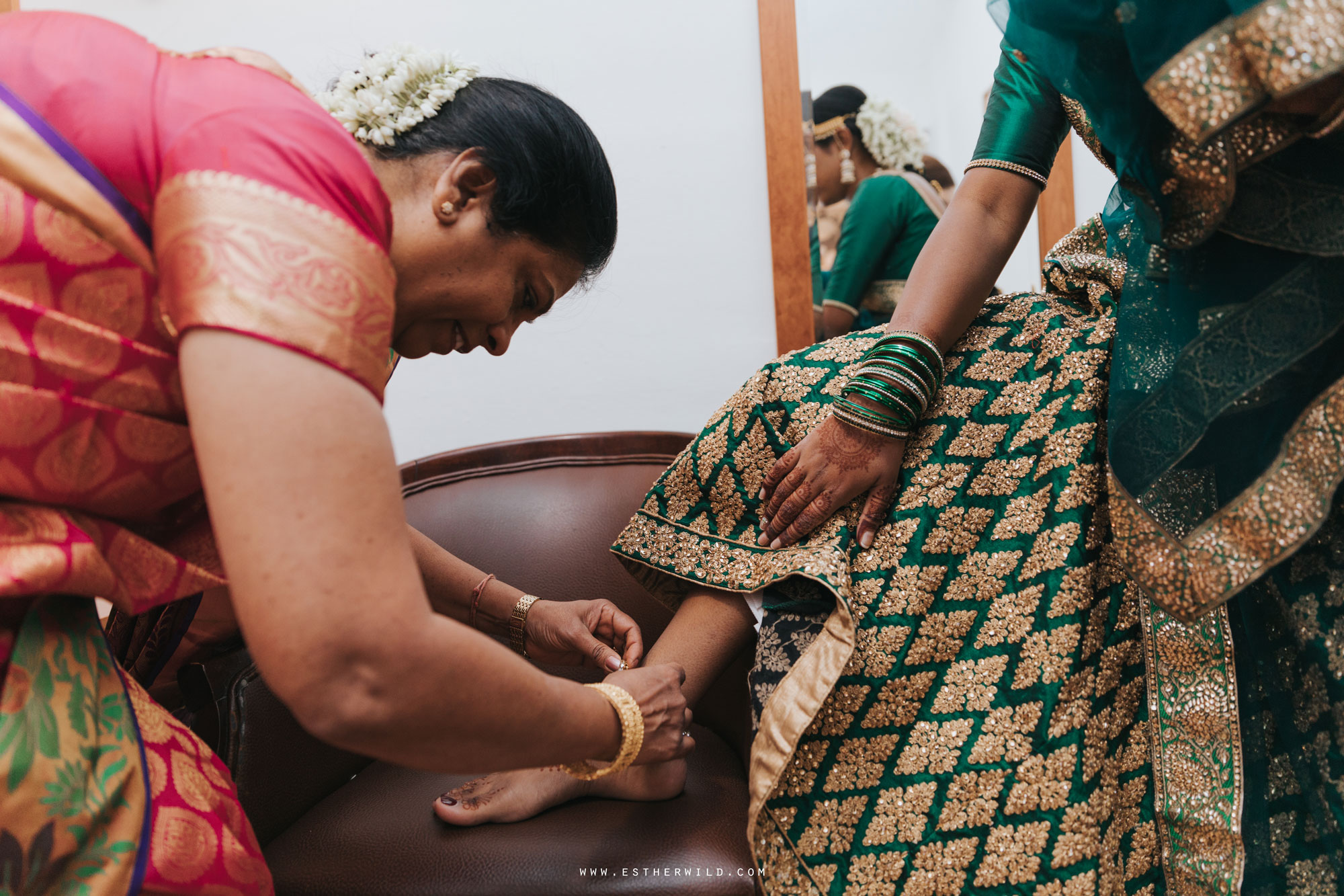 Northbrook_Park_Farnham_Surrey_London_Wedding_Hindu_Fusion_Esther_Wild_Photographer_IMG_3049.jpg