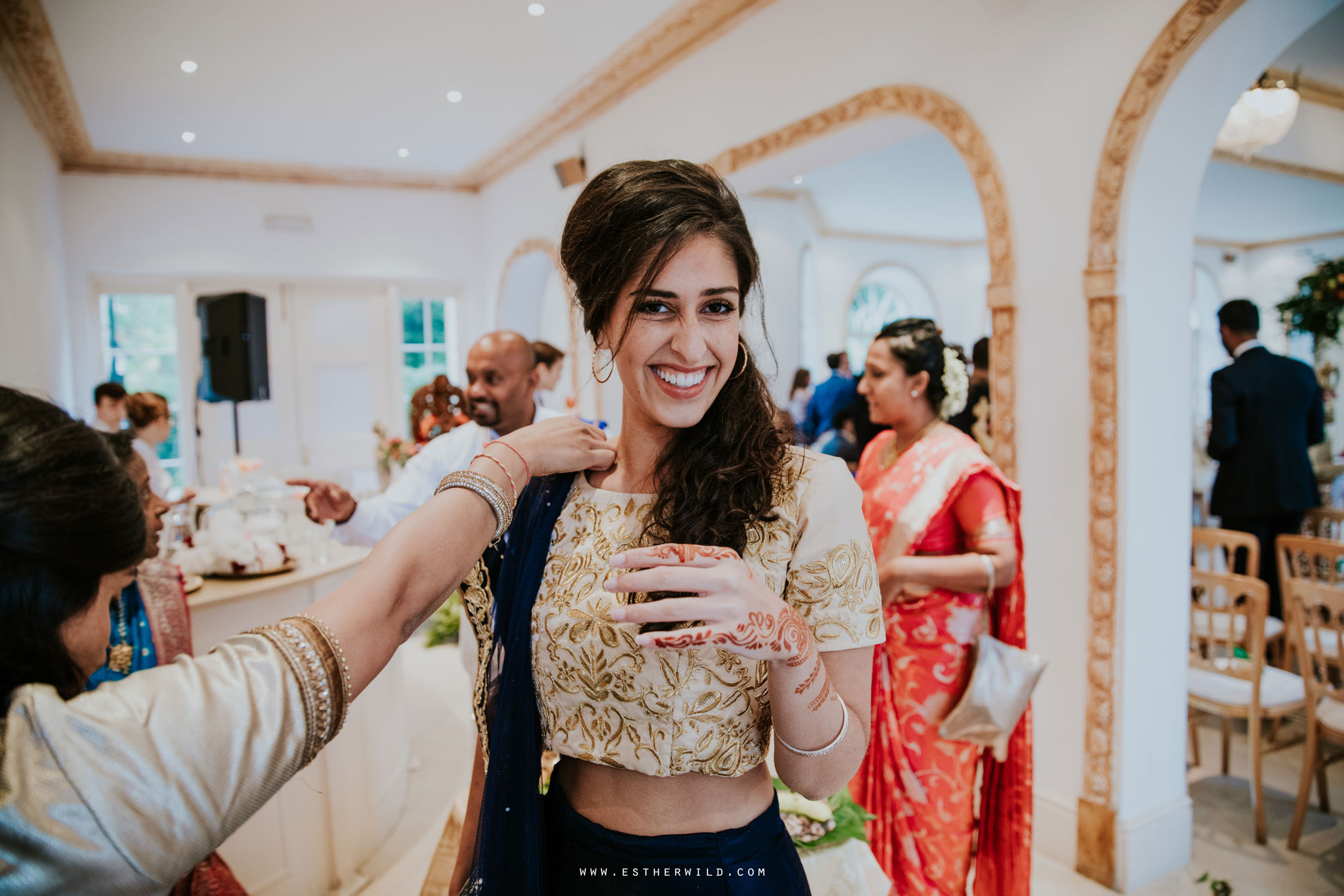 Northbrook_Park_Farnham_Surrey_London_Wedding_Hindu_Fusion_Esther_Wild_Photographer_IMG_3204.jpg