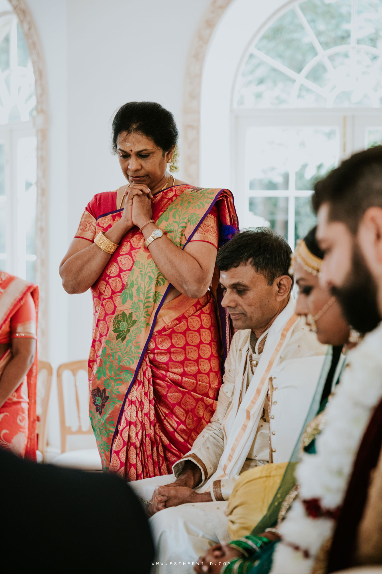 Northbrook_Park_Farnham_Surrey_London_Wedding_Hindu_Fusion_Esther_Wild_Photographer_IMG_4053.jpg