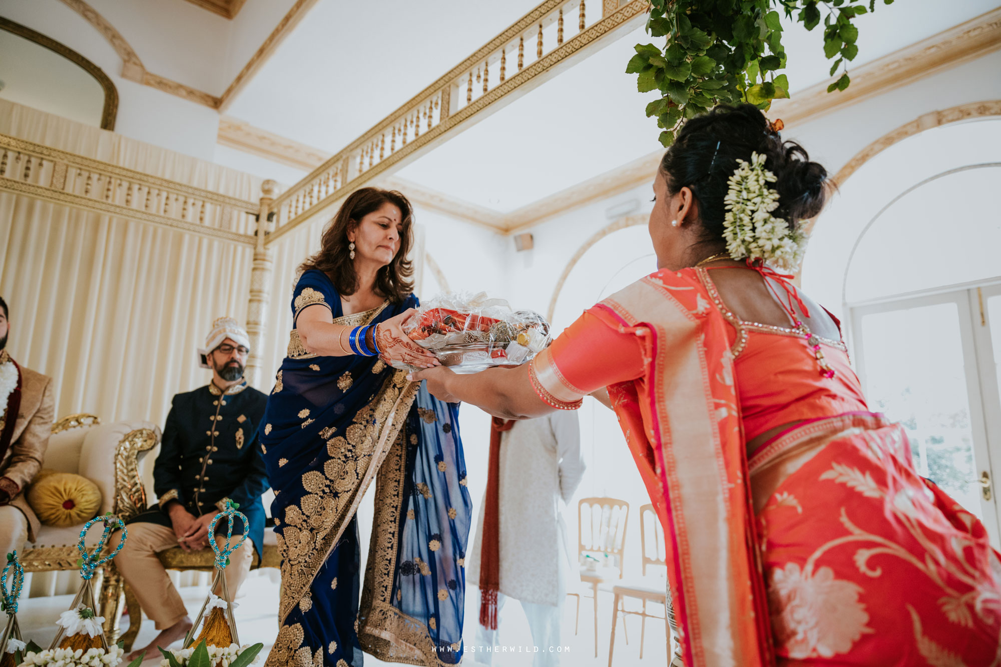 Northbrook_Park_Farnham_Surrey_London_Wedding_Hindu_Fusion_Esther_Wild_Photographer_IMG_4198.jpg