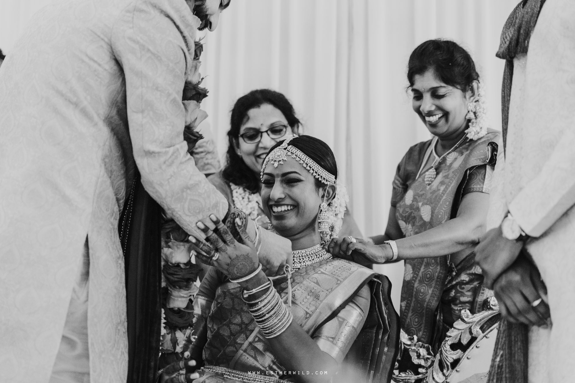 Northbrook_Park_Farnham_Surrey_London_Wedding_Hindu_Fusion_Esther_Wild_Photographer_IMG_4561.jpg