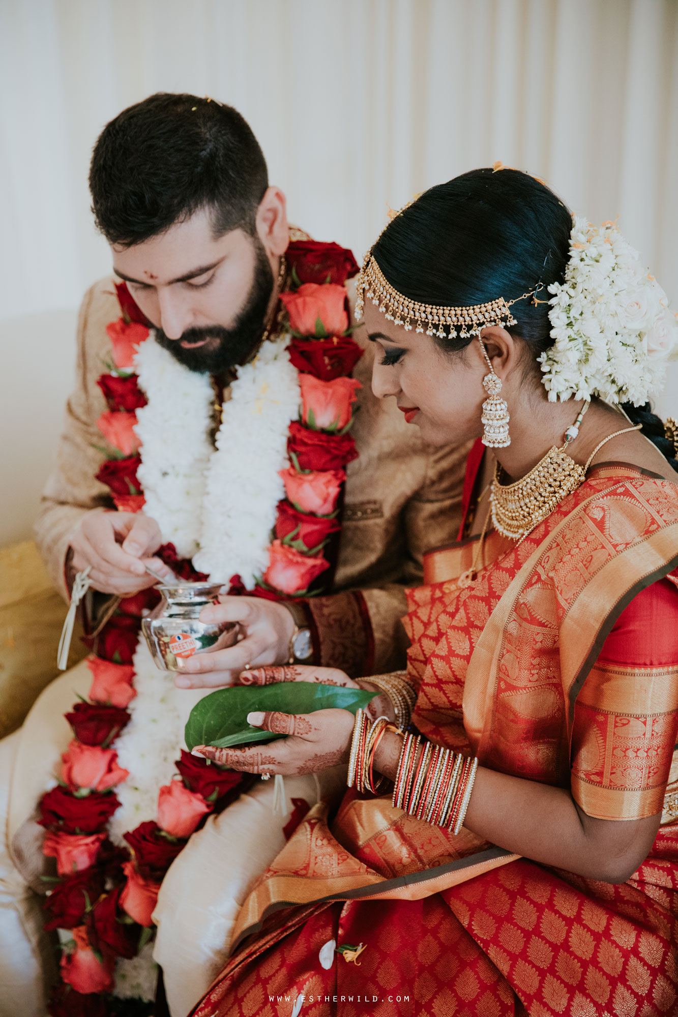 Northbrook_Park_Farnham_Surrey_London_Wedding_Hindu_Fusion_Esther_Wild_Photographer_IMG_4609.jpg
