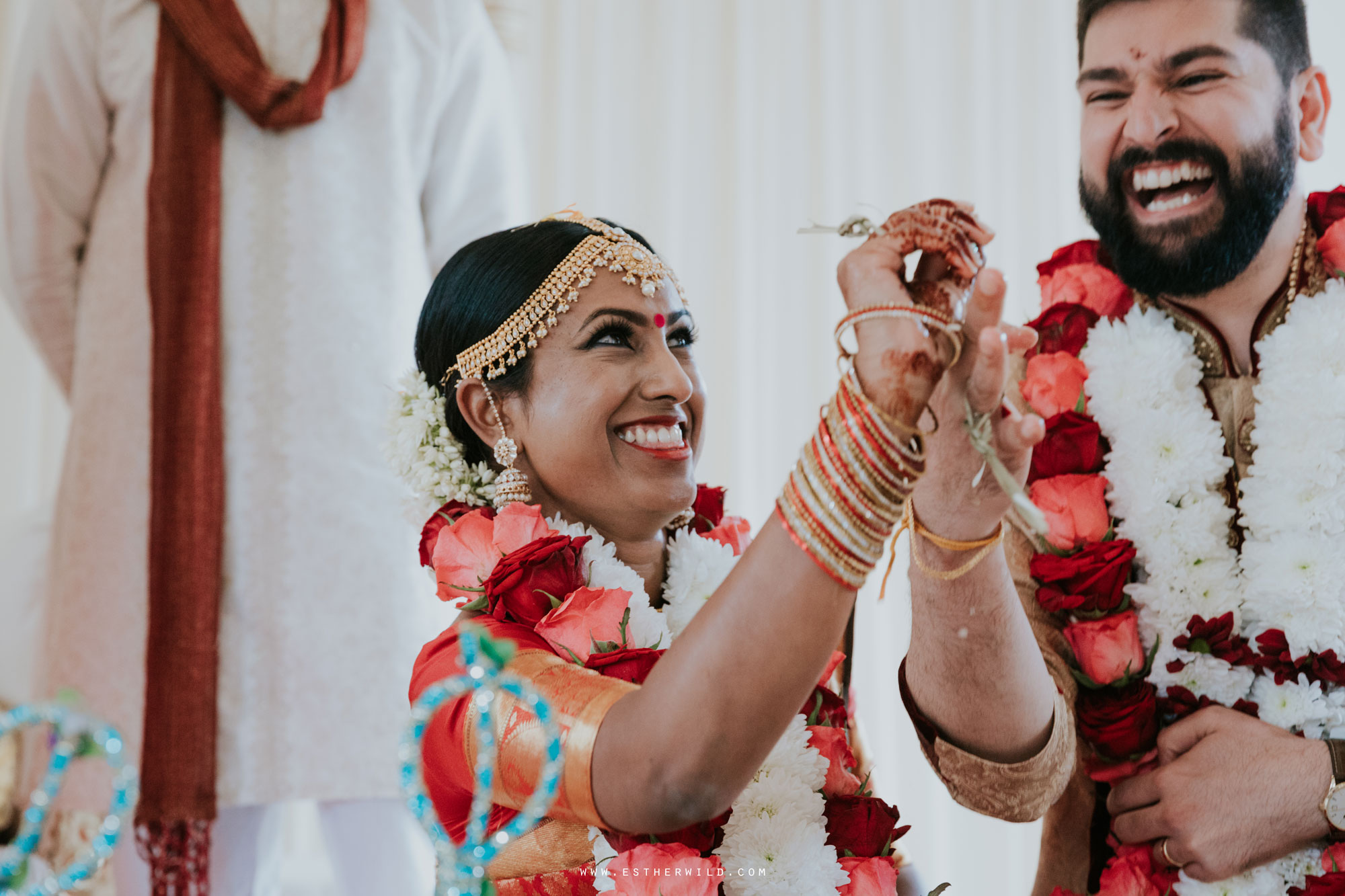 Northbrook_Park_Farnham_Surrey_London_Wedding_Hindu_Fusion_Esther_Wild_Photographer_IMG_4804.jpg