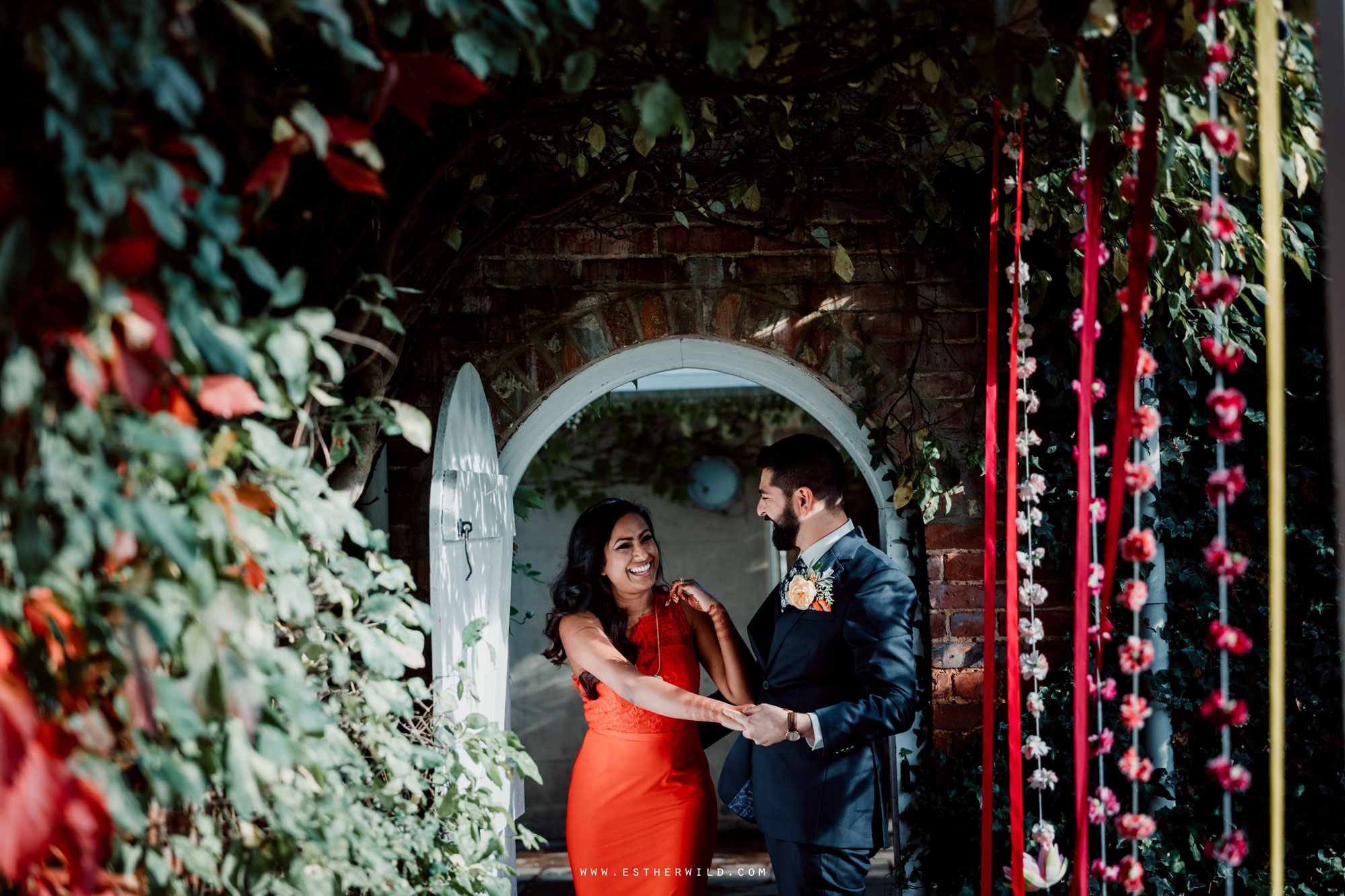 Northbrook_Park_Farnham_Surrey_London_Wedding_Hindu_Fusion_Esther_Wild_Photographer_IMG_5550.jpg