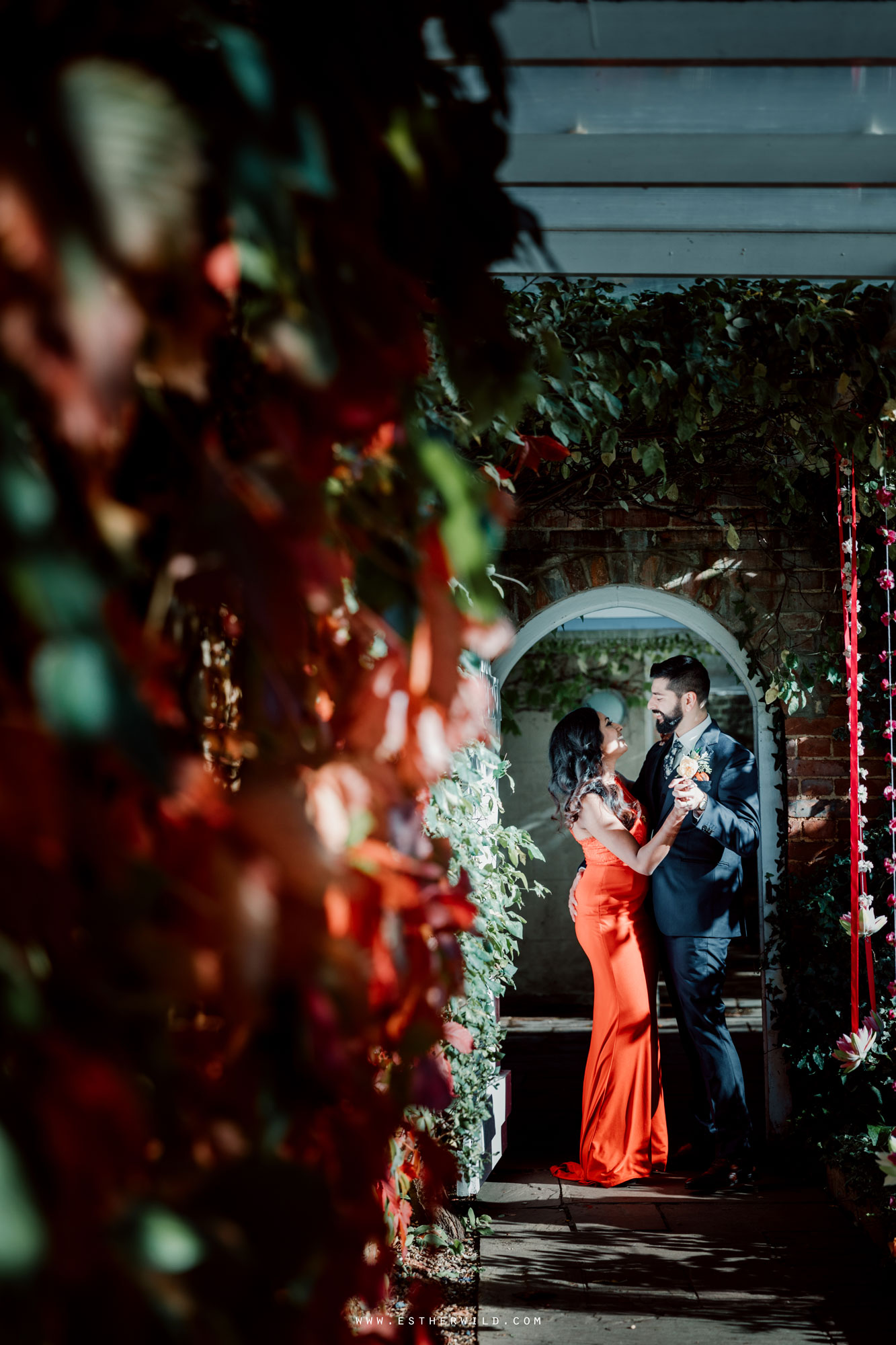 Northbrook_Park_Farnham_Surrey_London_Wedding_Hindu_Fusion_Esther_Wild_Photographer_IMG_5547.jpg