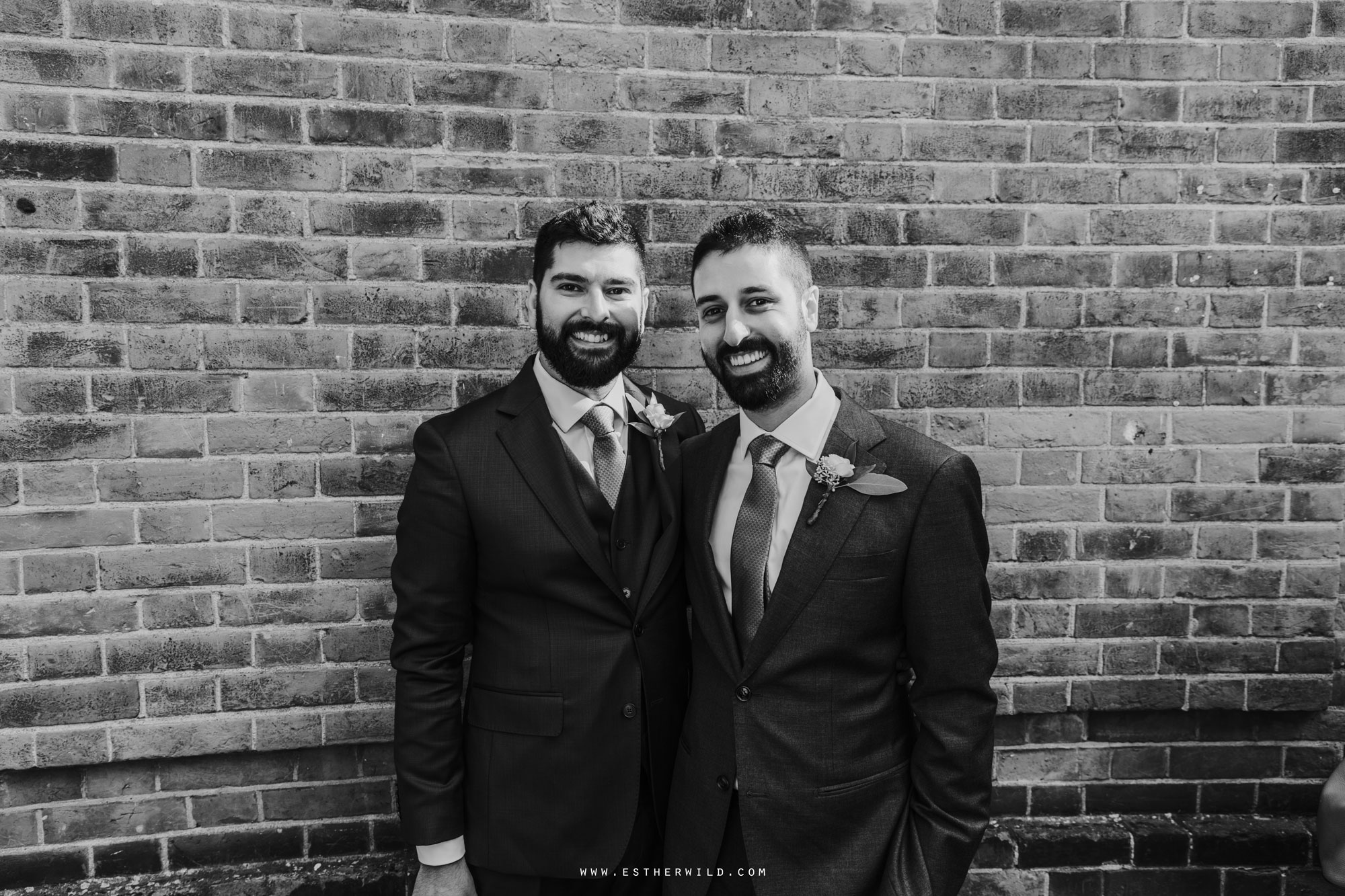 Twickenham_Registry_Office_London_Wedding_Ceremony_Esther_Wild_Photographer_IMG_0187-2.jpg