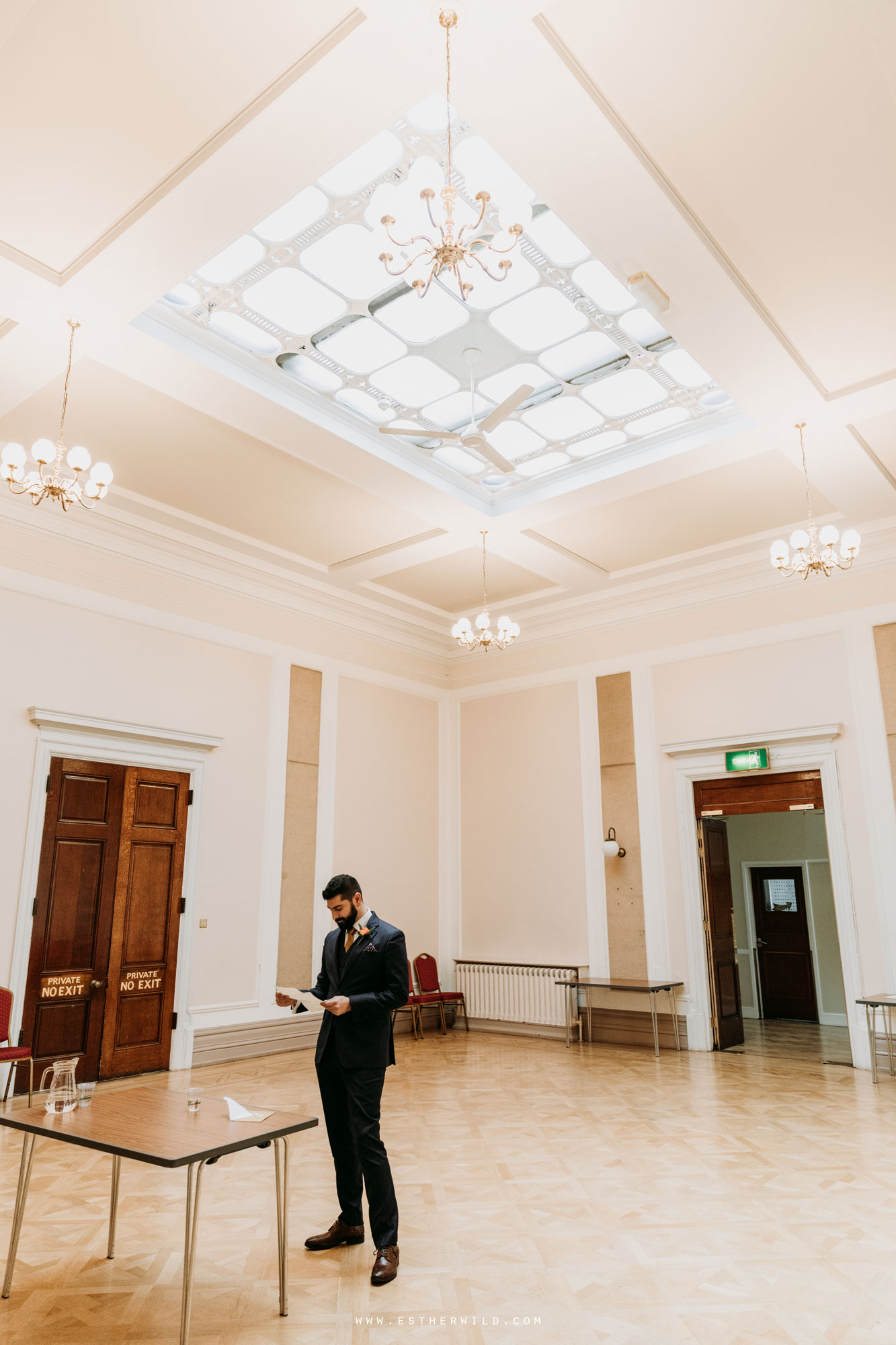 Twickenham_Registry_Office_London_Wedding_Ceremony_Esther_Wild_Photographer_IMG_0286.jpg