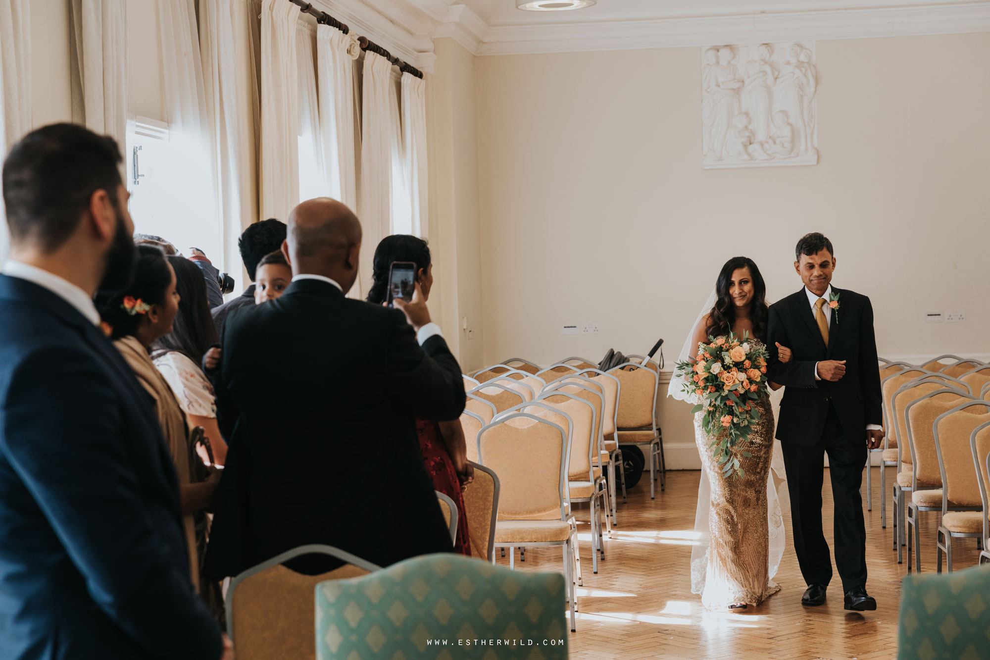 Twickenham_Registry_Office_London_Wedding_Ceremony_Esther_Wild_Photographer_IMG_0336.jpg