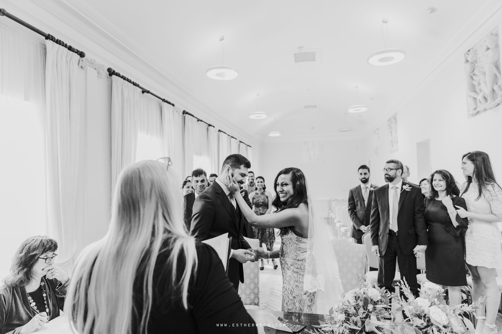 Twickenham_Registry_Office_London_Wedding_Ceremony_Esther_Wild_Photographer_IMG_0396-2.jpg
