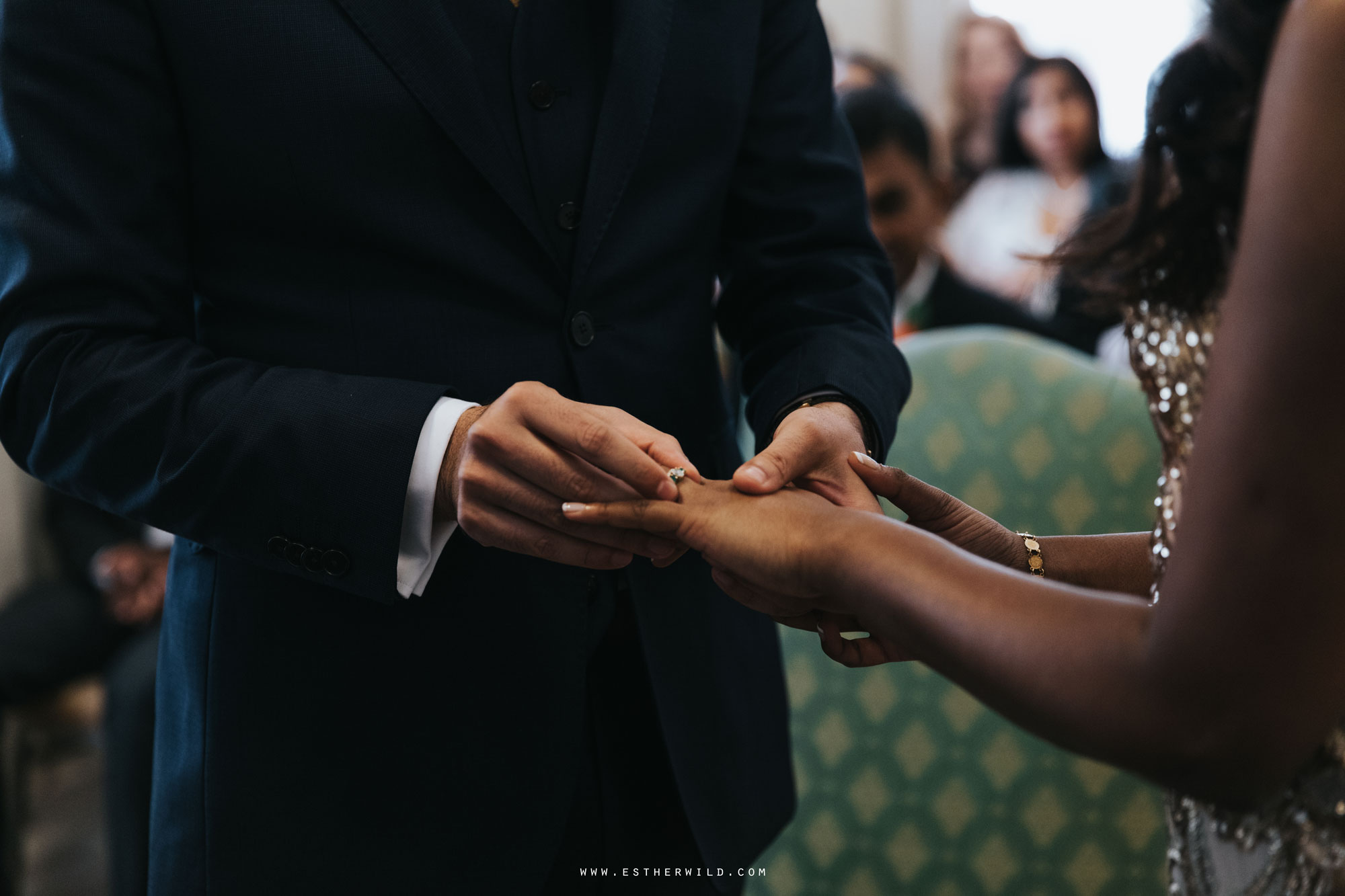 Twickenham_Registry_Office_London_Wedding_Ceremony_Esther_Wild_Photographer_IMG_0409.jpg