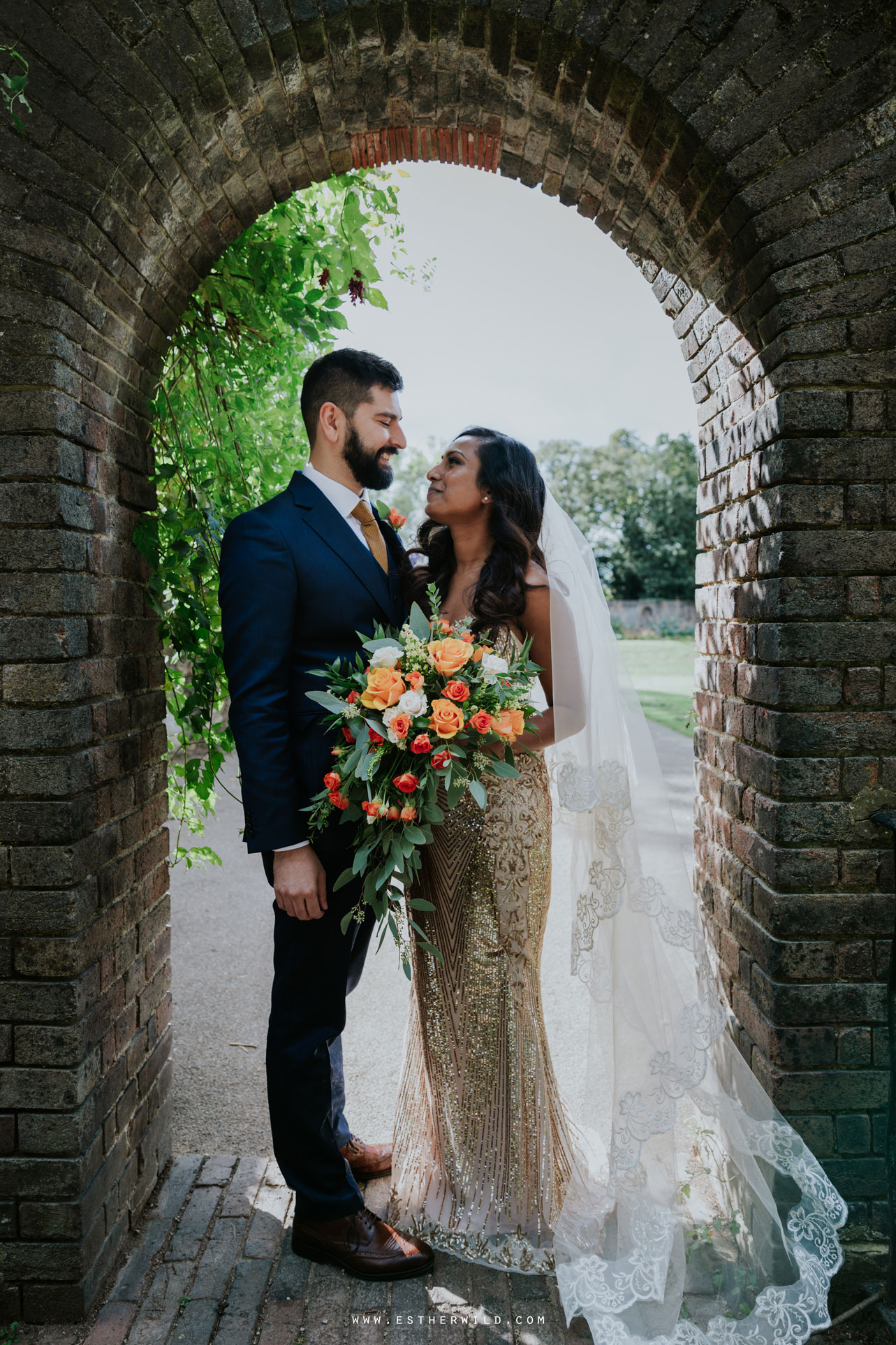 Twickenham_Registry_Office_London_Wedding_Ceremony_Esther_Wild_Photographer_IMG_0612.jpg