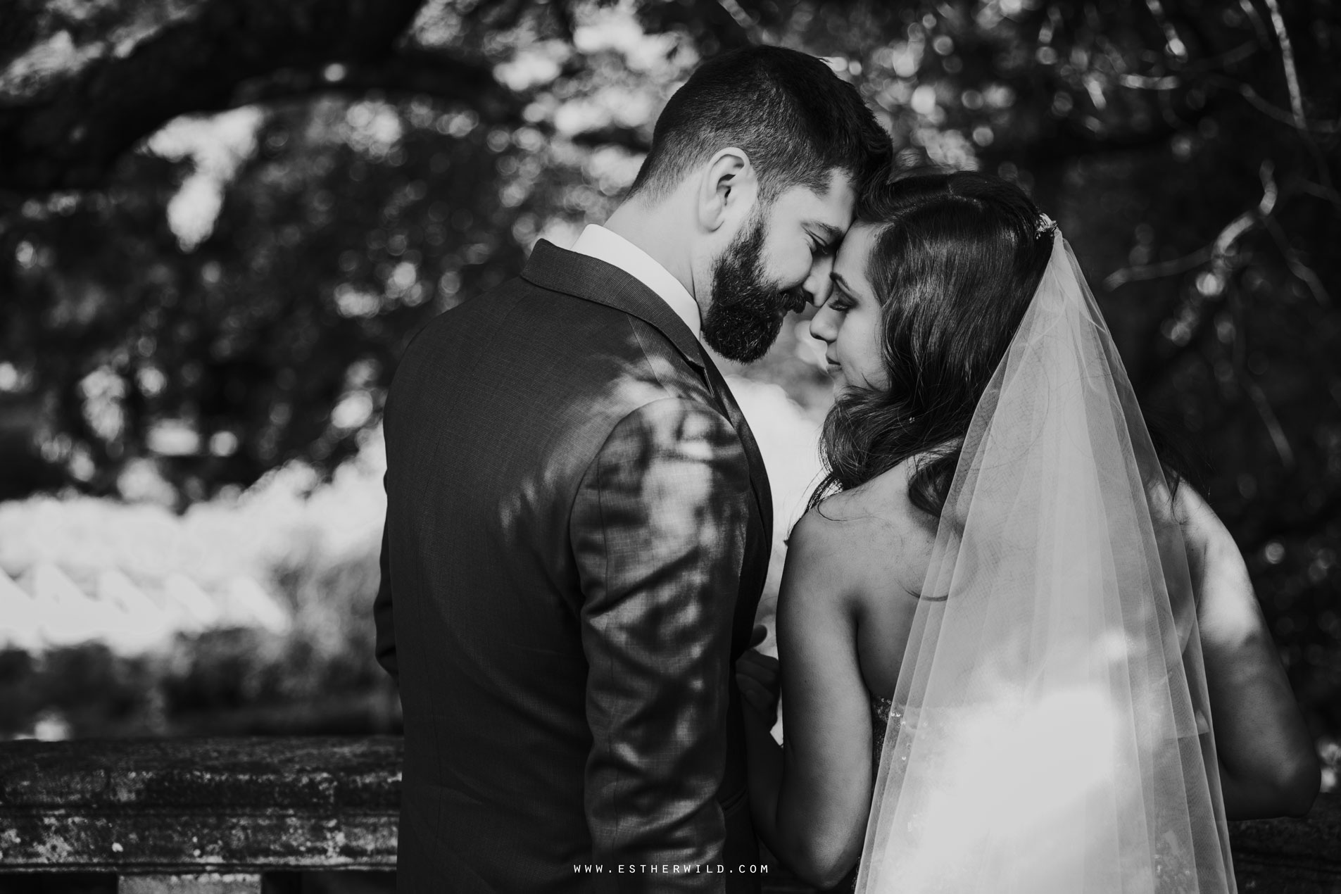 Twickenham_Registry_Office_London_Wedding_Ceremony_Esther_Wild_Photographer_IMG_0718.jpg