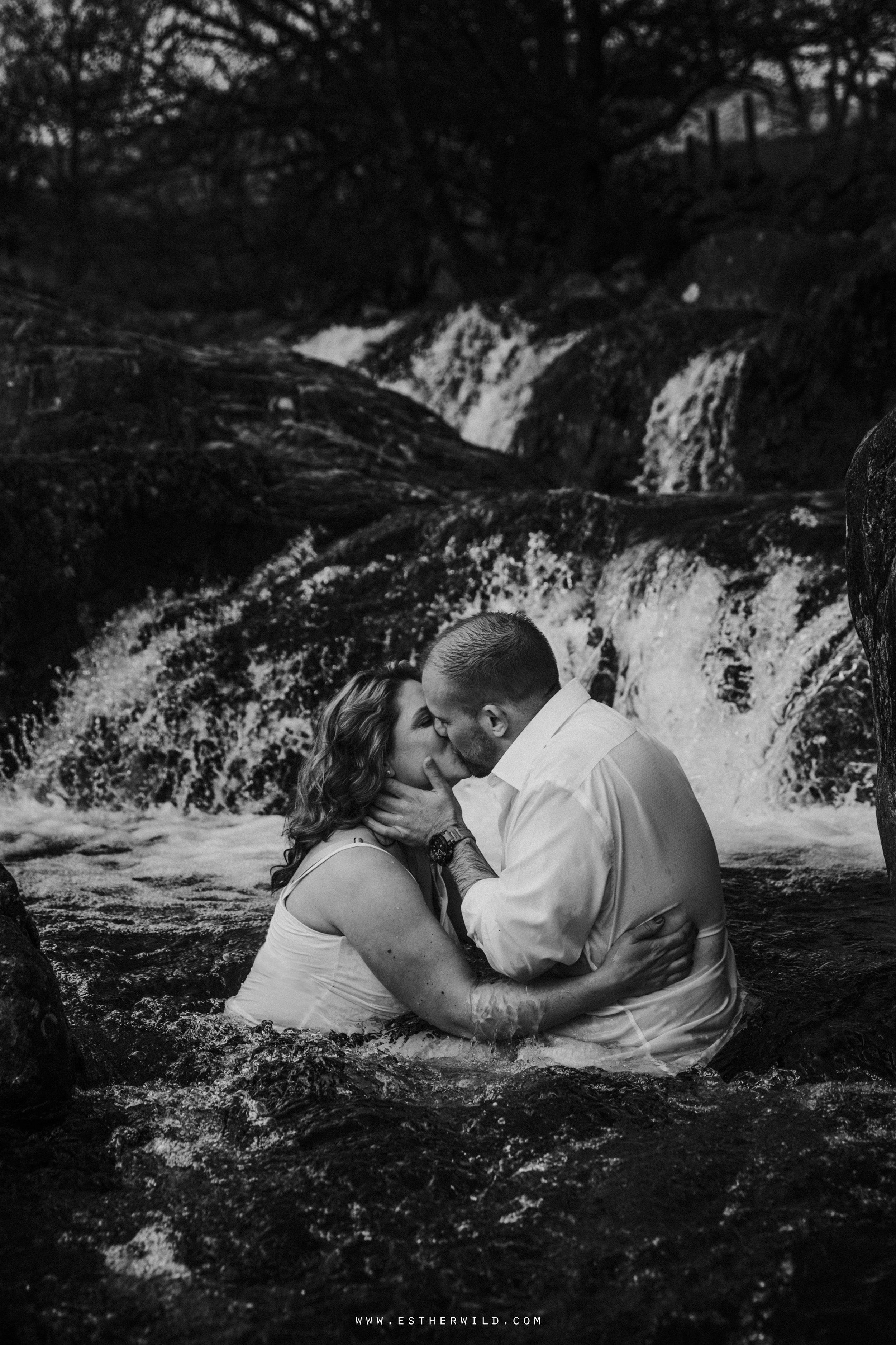 Cumbria_Lake_District_Wasdale_Wedding_Photographer_Destination_Engagement_Anniversary_Esther_Wild_IMG_4386.jpg
