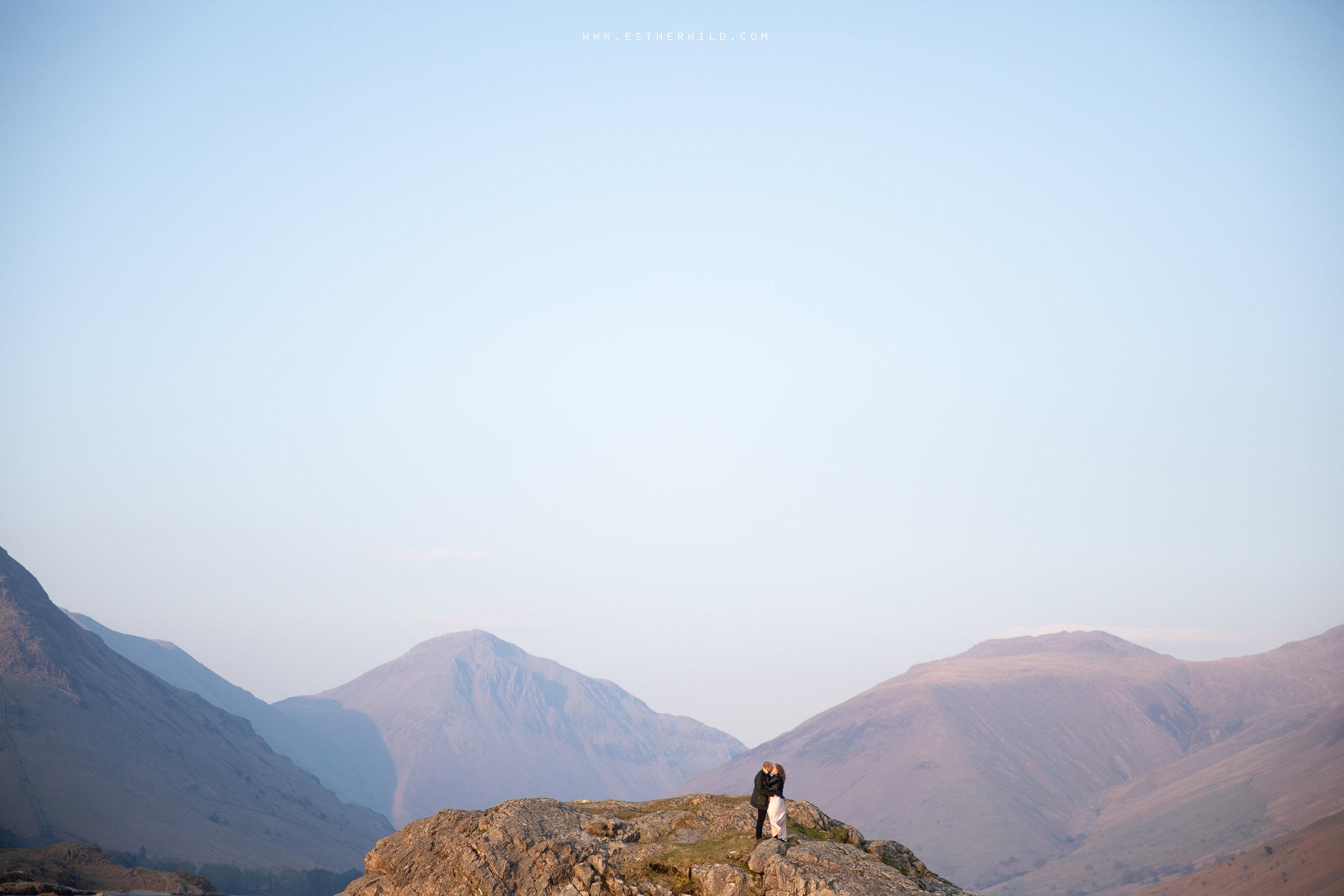 Cumbria_Lake_District_Wasdale_Wedding_Photographer_Destination_Engagement_Anniversary_Esther_Wild_IMG_4577.jpg