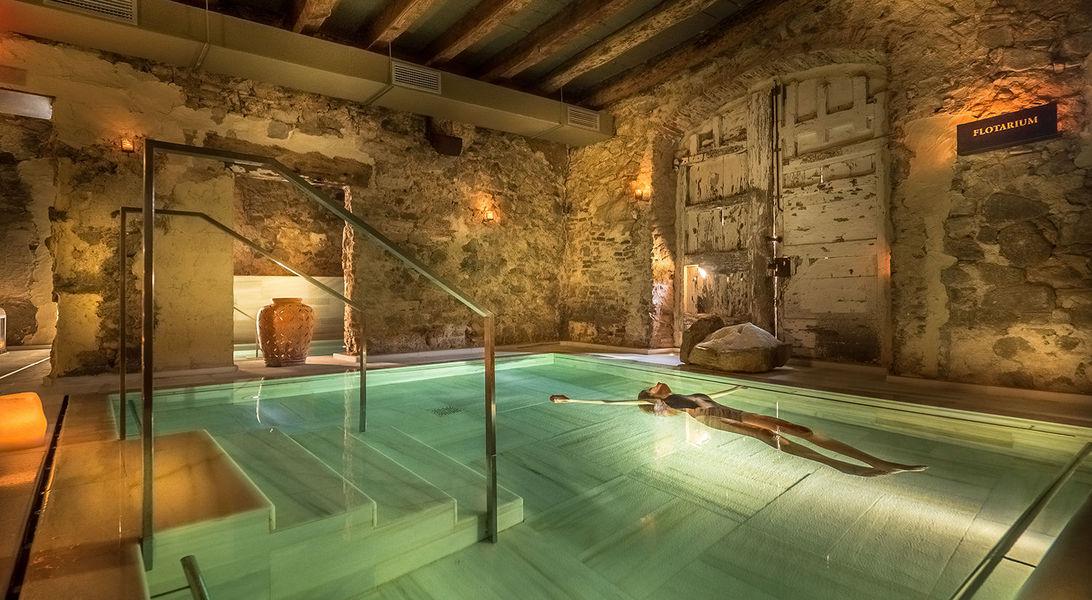 mas-salagros-eco-resort-amp-aire-ancient-baths-imageLinkaire-vallromanes-mas-salagros-flotarium-model-min.jpeg