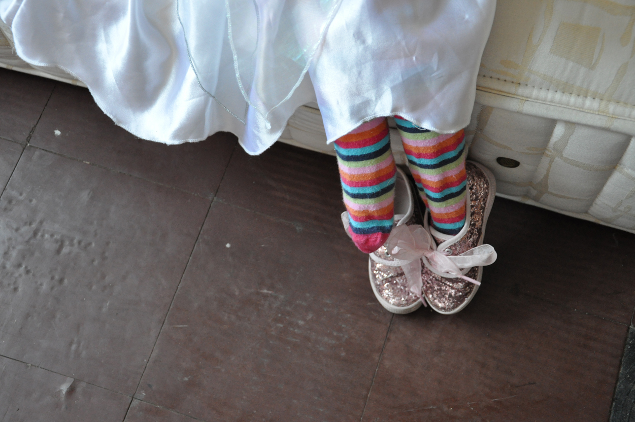 DSC_0038 ballerina's feet sml.jpg