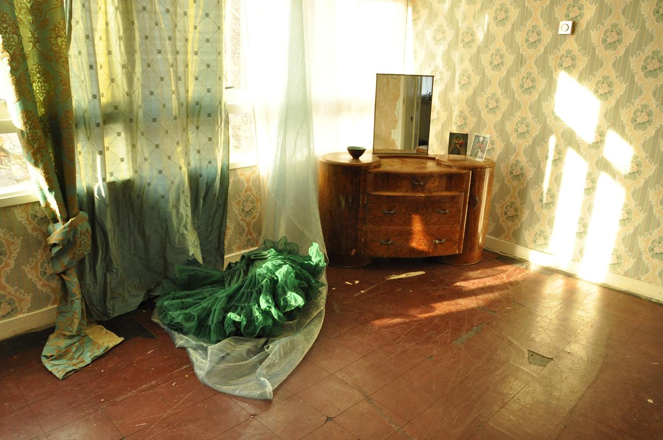 DSC_0001 living room, soft green sml.jpg