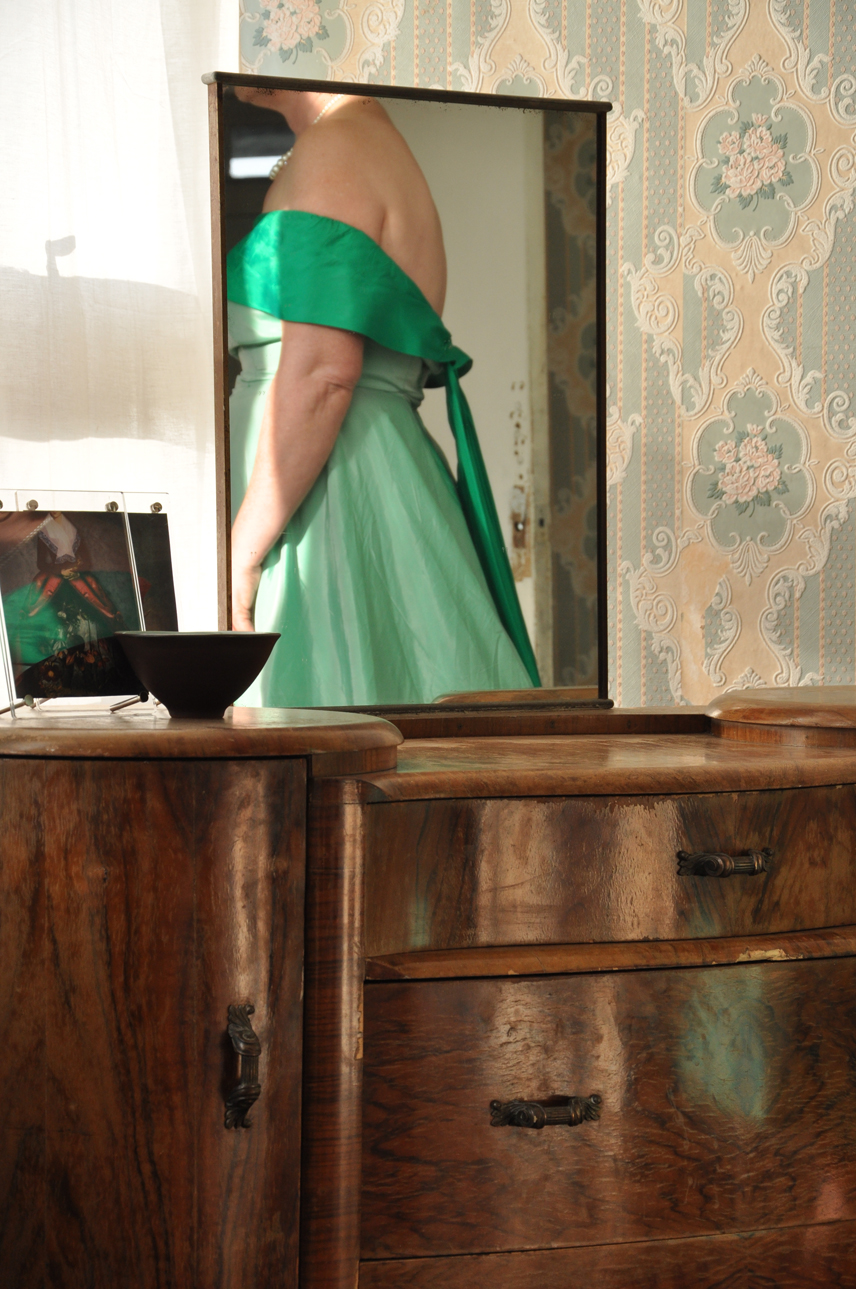 DSC_0030 green dress back sml.jpg