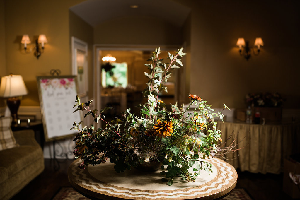 The greeting arrangement. Photo by RC Zajac Photography.