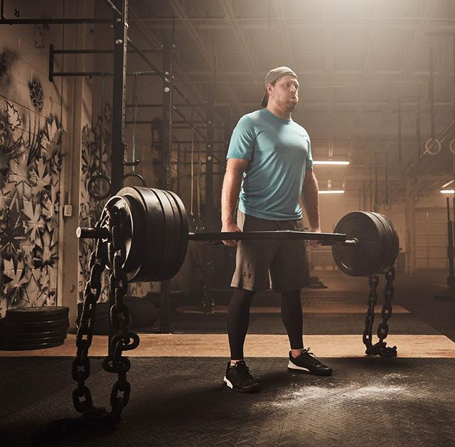 @phil_kessel_81_ working his lower body during the offseason. Photo taken last summer for @UnderArmour #PhilTheThrill