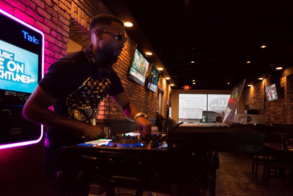 DJ.jpeg