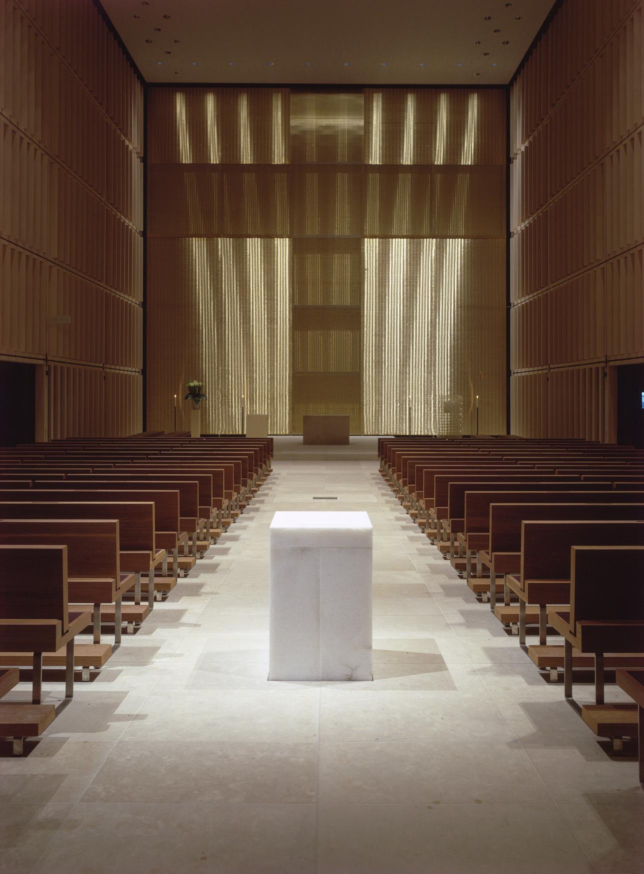 HJK-altar-night.jpg