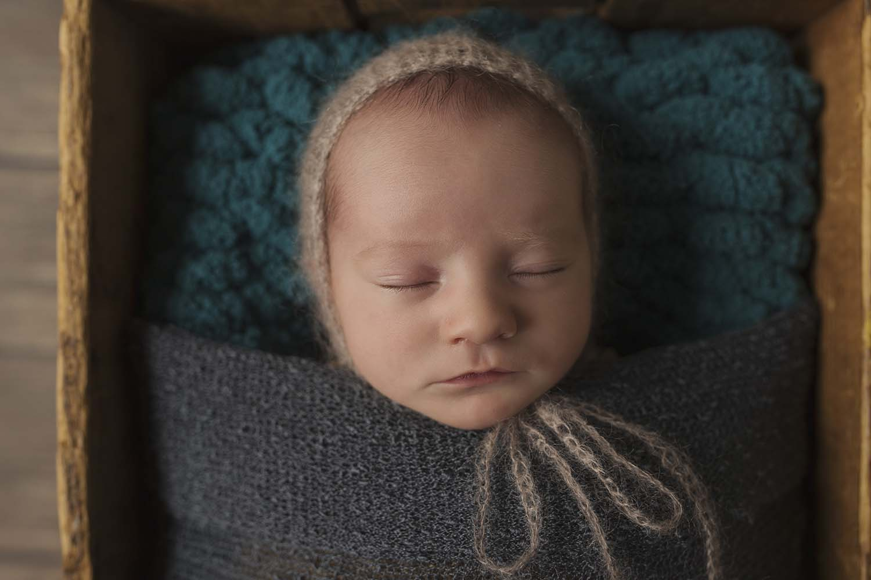 toronto newborn baby photographer copperred