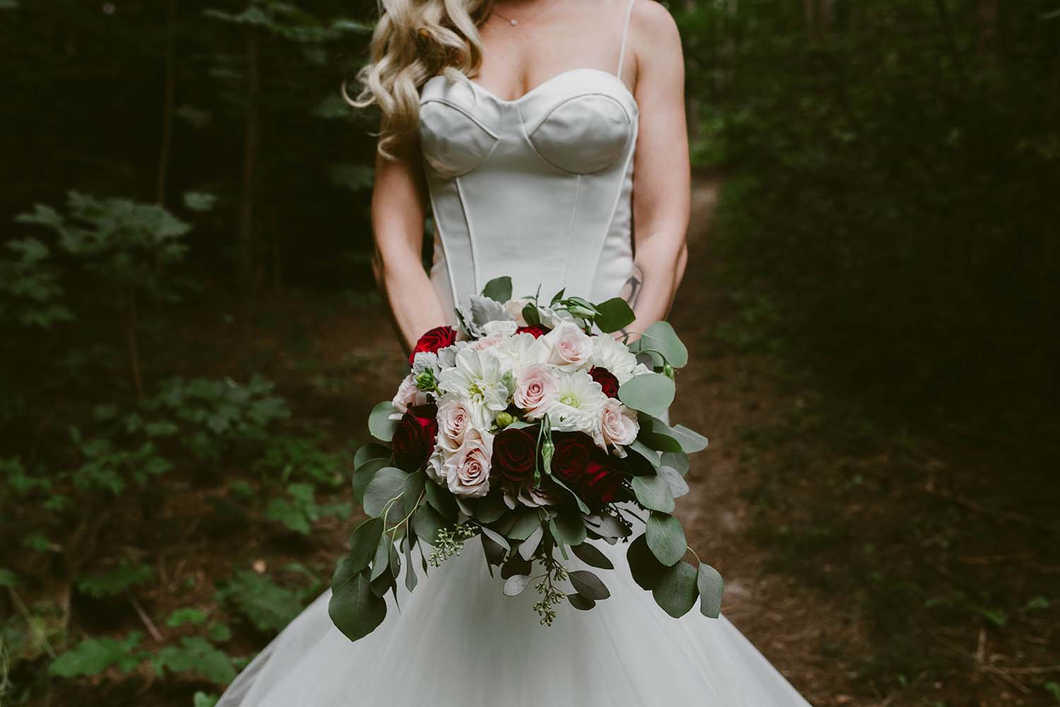 bridal-bouquet-toronto-florist-copperred-photography.jpg