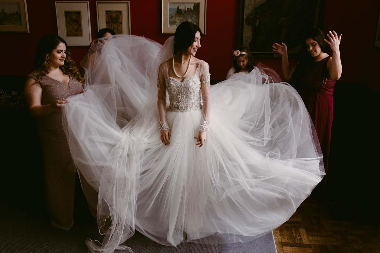 copperred-photography-wedding-bride-trinity-college.jpg