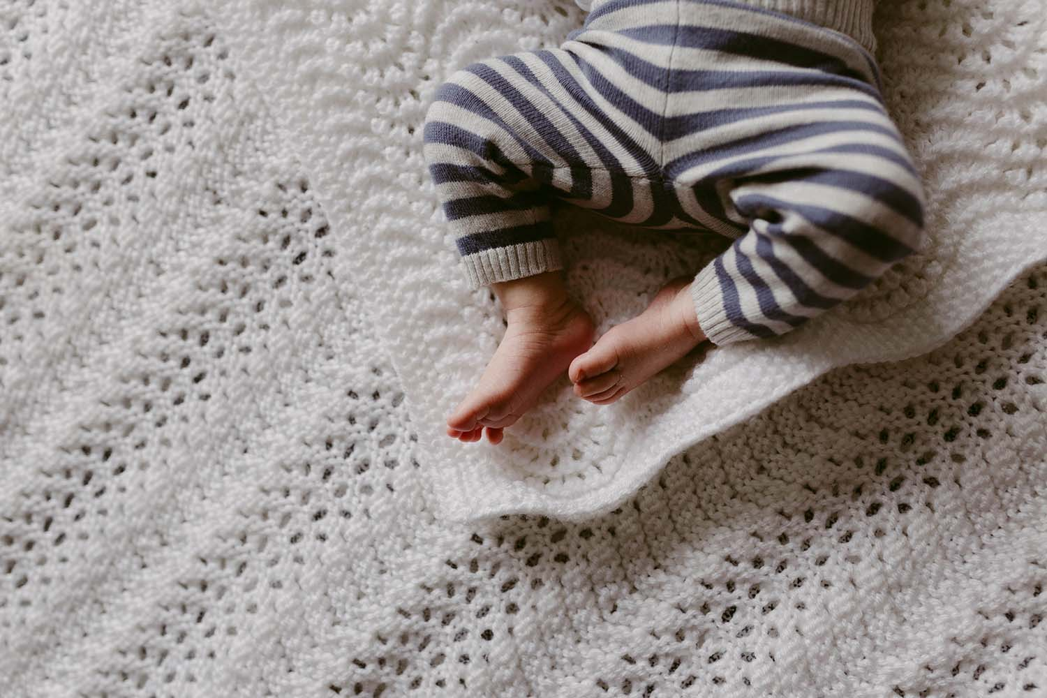 lifestyle-newborn-in-home-photography-copperred.jpg