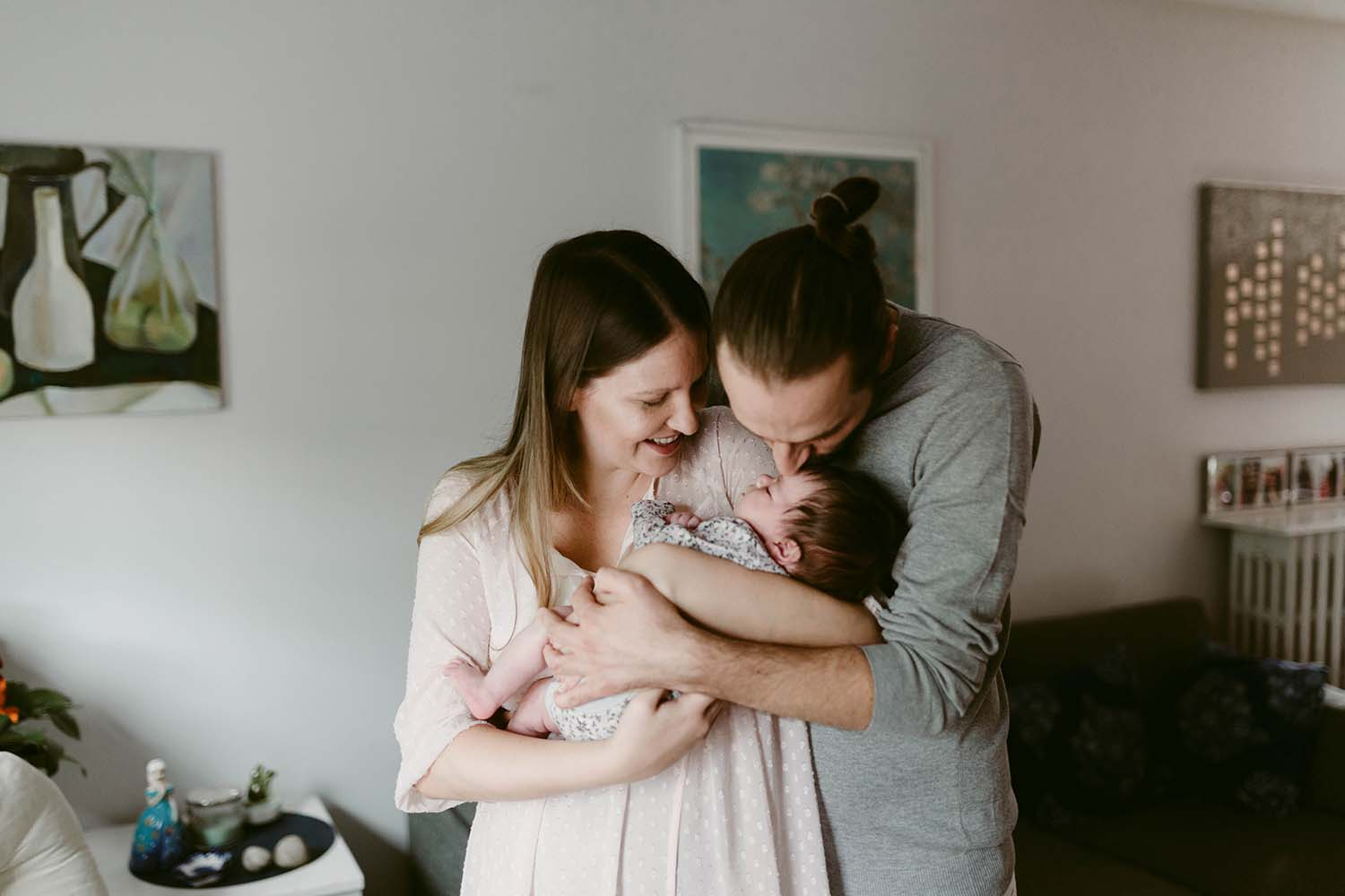 lifestyle-newborn-session-copperred-photography.jpg