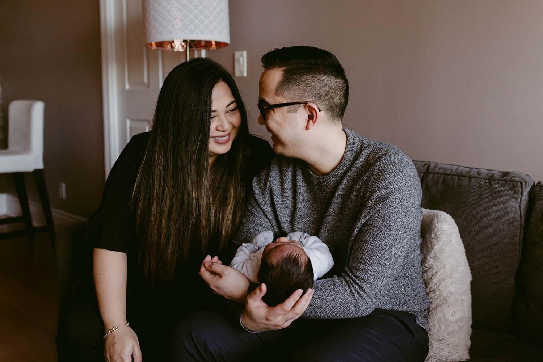 Toronto-lifestyle-newborn-baby-photographer_9.jpg