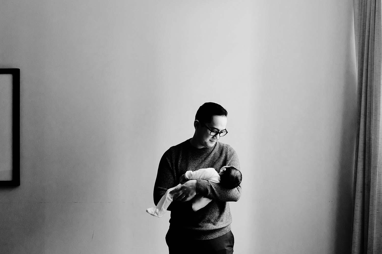 Toronto-lifestyle-newborn-baby-photographer_27.jpg