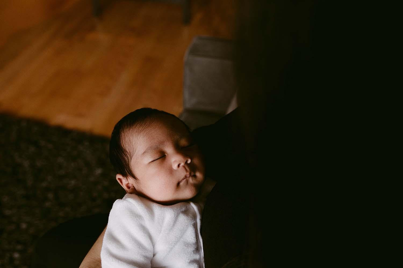 Toronto-lifestyle-newborn-baby-photographer_46.jpg