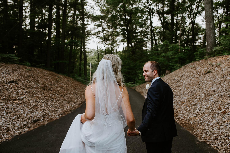 toronto-wedding-photographer-cottage-wedding-copperred-photography.jpg