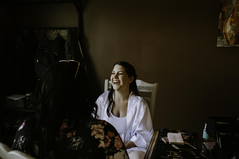 bridal-prep-inspiration-toronto-wedding-photographer.jpg