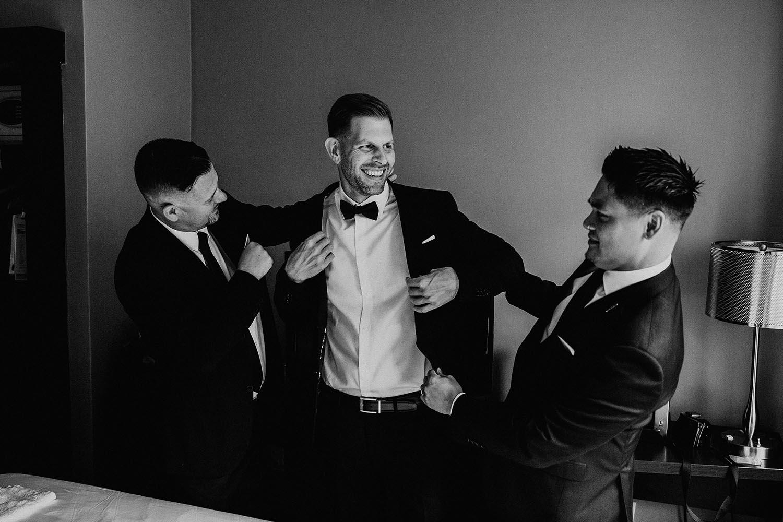 groom-prep-photos-toronto-copperred-photography.jpg