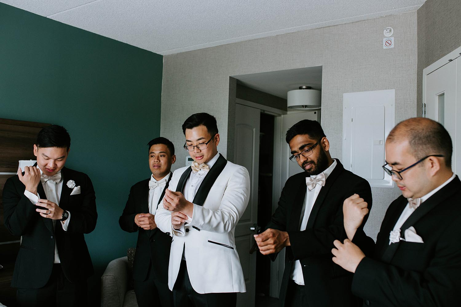 groomsmen-fashion-suits-copperred-photography.jpg