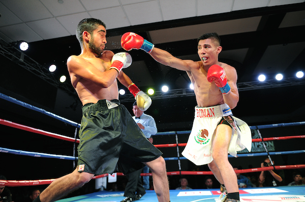"""Jose Roman, right, knocked outMartin Cardona in the third round at """"Locked n' Loaded"""""""