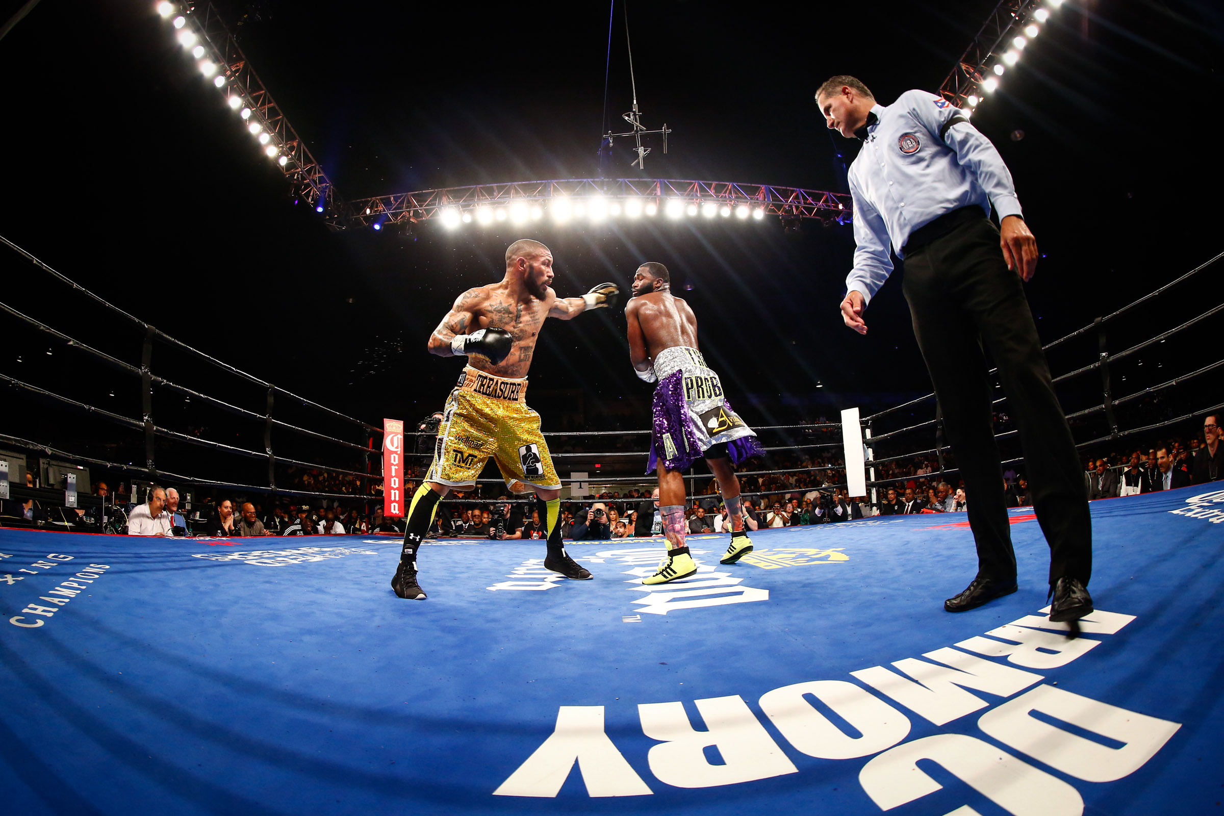 LR_FIGHT NIGHT-BRONER vs THEOPHANE-04012016-7376.jpg