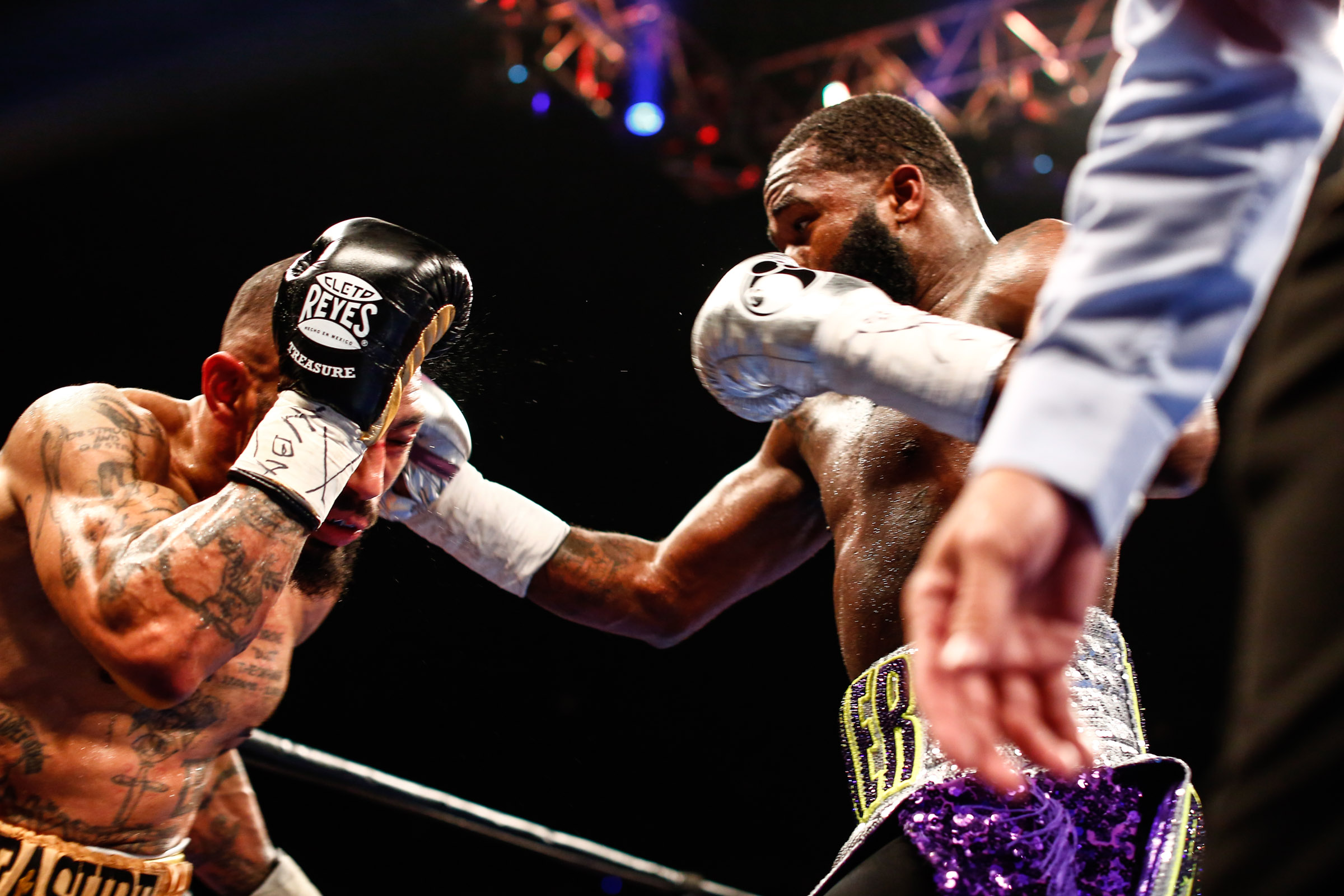LR_FIGHT NIGHT-BRONER vs THEOPHANE-04012016-8195.jpg